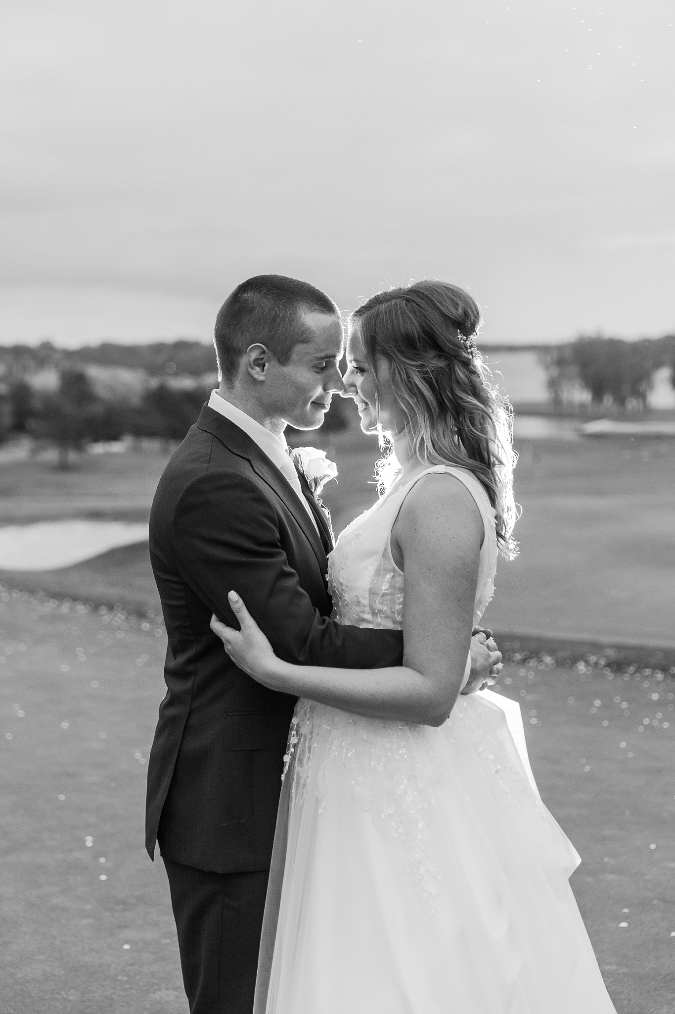 joyful-candid-laid-back-wedding-photos-in-ann-arbor-michigan-and-at-the-eagle-crest-golf-resort-by-courtney-carolyn-photography_0124.jpg