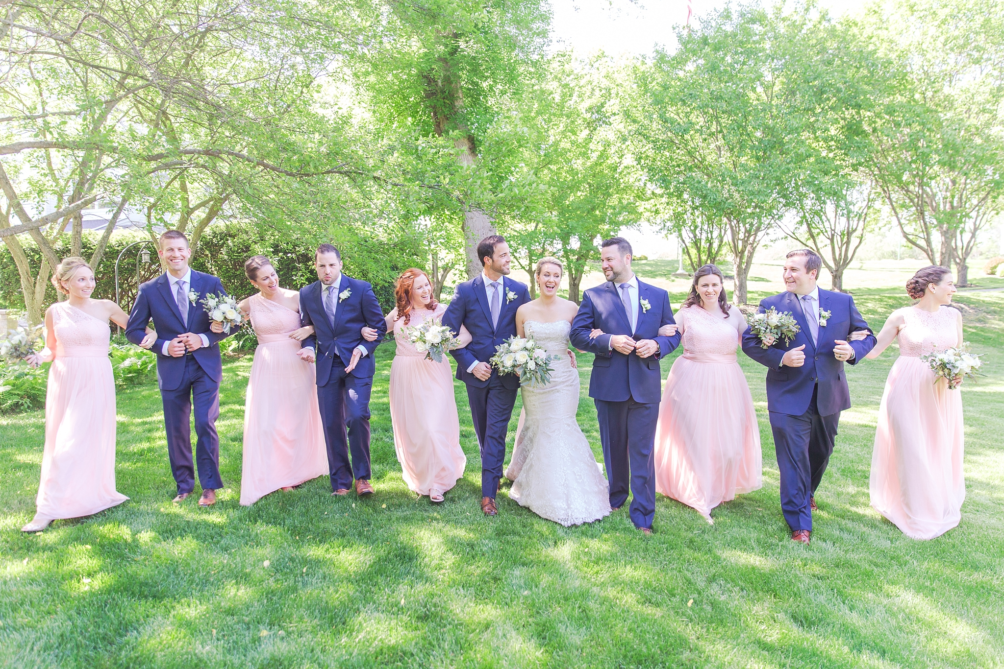 fun-candid-laid-back-wedding-photos-at-wellers-carriage-house-in-saline-michigan-and-at-the-eagle-crest-golf-resort-by-courtney-carolyn-photography_0025.jpg