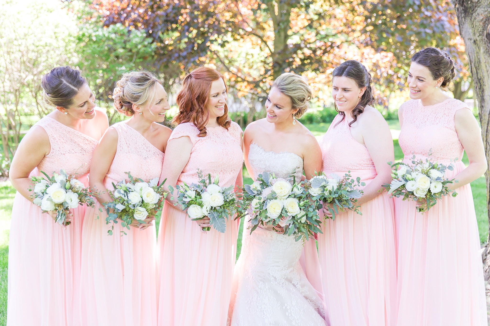 fun-candid-laid-back-wedding-photos-at-wellers-carriage-house-in-saline-michigan-and-at-the-eagle-crest-golf-resort-by-courtney-carolyn-photography_0029.jpg