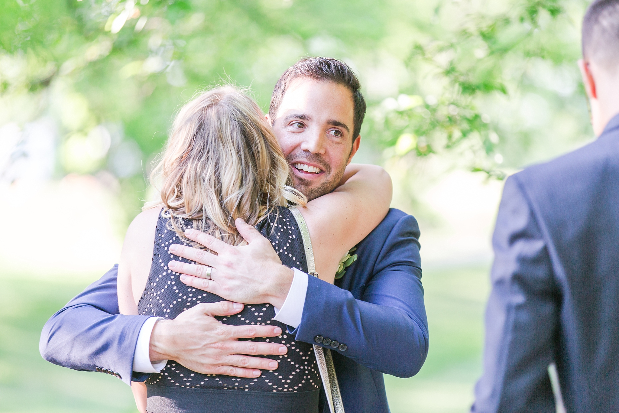 fun-candid-laid-back-wedding-photos-at-wellers-carriage-house-in-saline-michigan-and-at-the-eagle-crest-golf-resort-by-courtney-carolyn-photography_0077.jpg