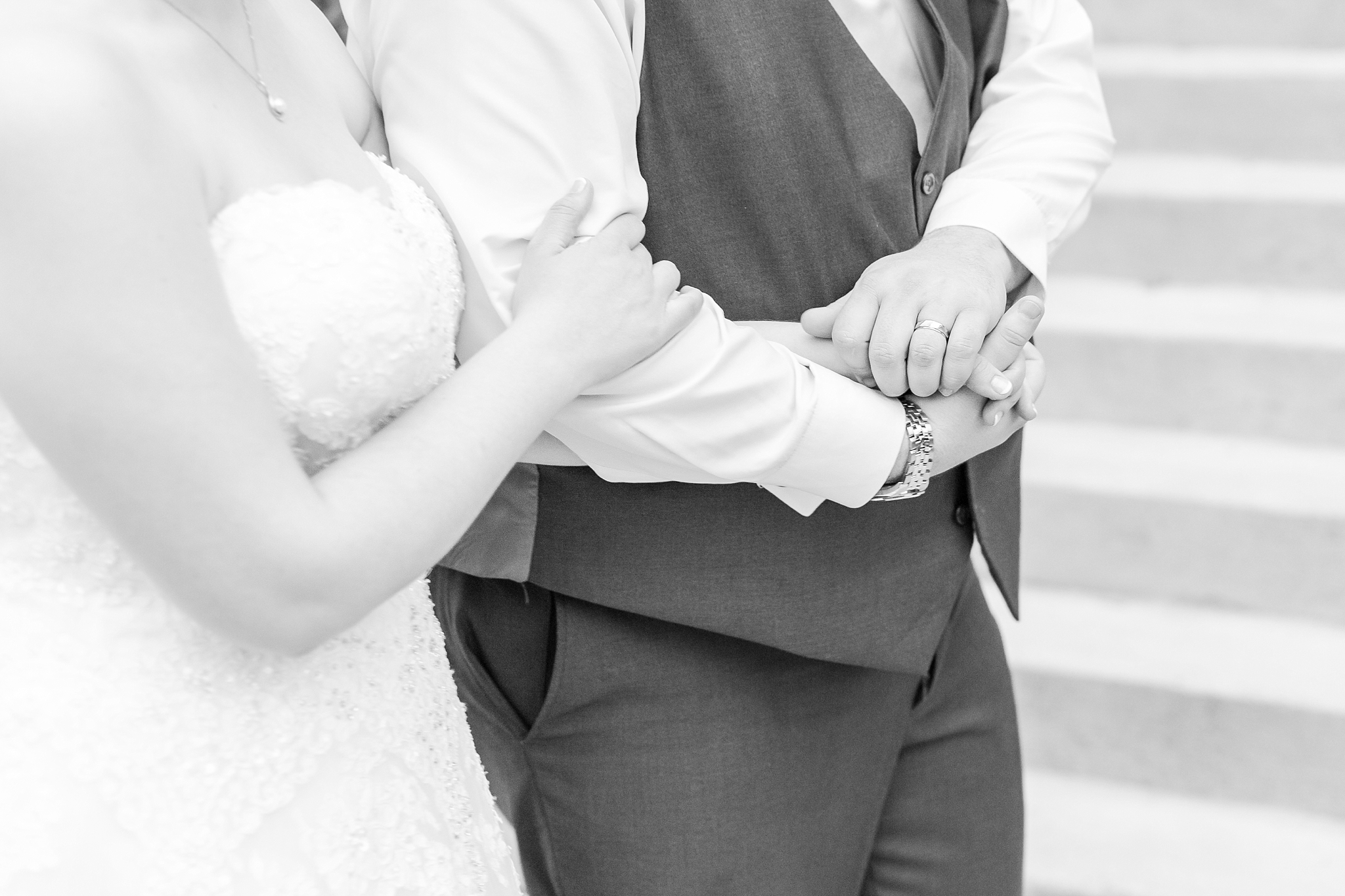 emotional-laid-back-romantic-wedding-photos-at-adrian-college-herrick-chapel-in-adrian-michigan-by-courtney-carolyn-photography_0086.jpg