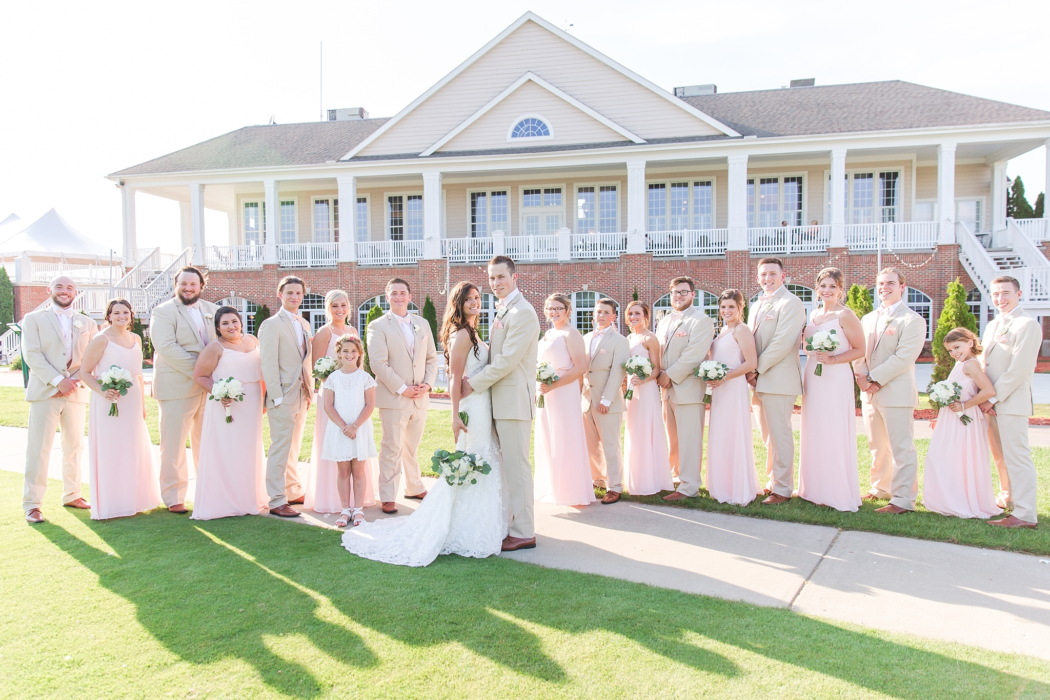 candid-timeless-wedding-photos-at-the-captains-club-in-grand-blanc-michigan-by-courtney-carolyn-photography_0055.jpg