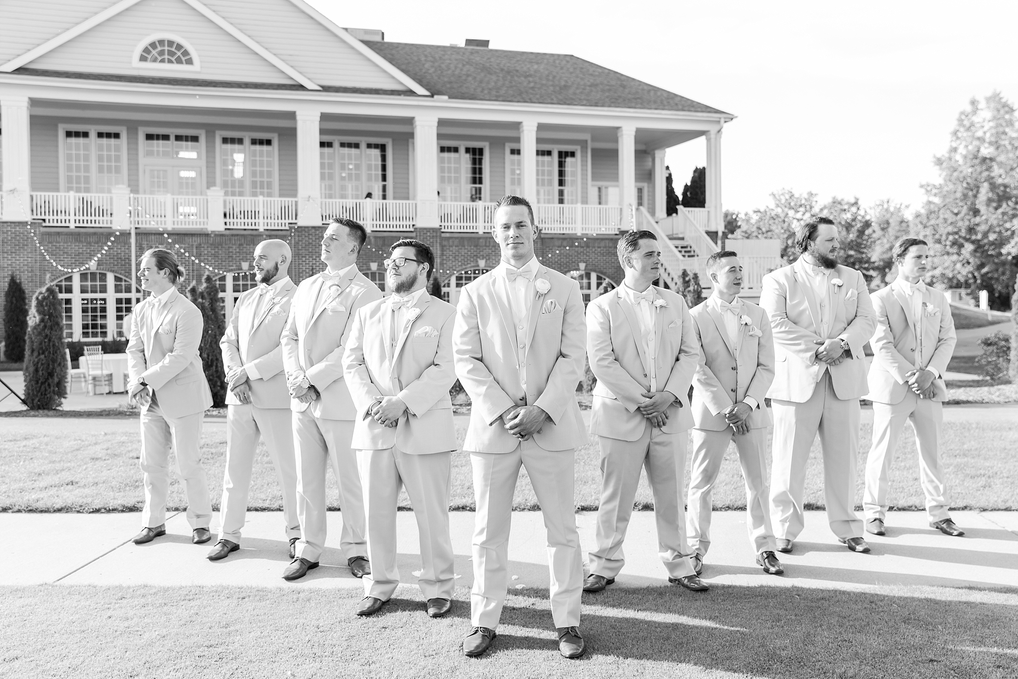 candid-timeless-wedding-photos-at-the-captains-club-in-grand-blanc-michigan-by-courtney-carolyn-photography_0068.jpg