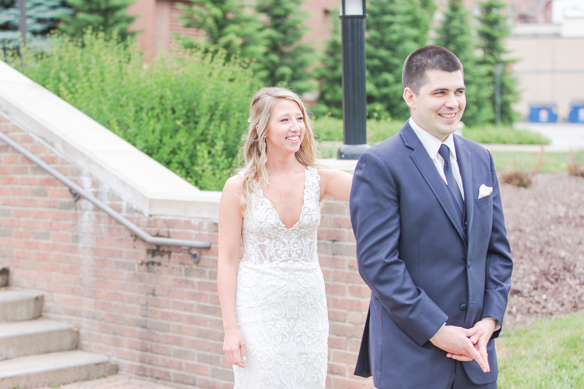 candid-romantic-wedding-photos-at-the-h-hotel-in-midland-michigan-by-courtney-carolyn-photography_0025.jpg