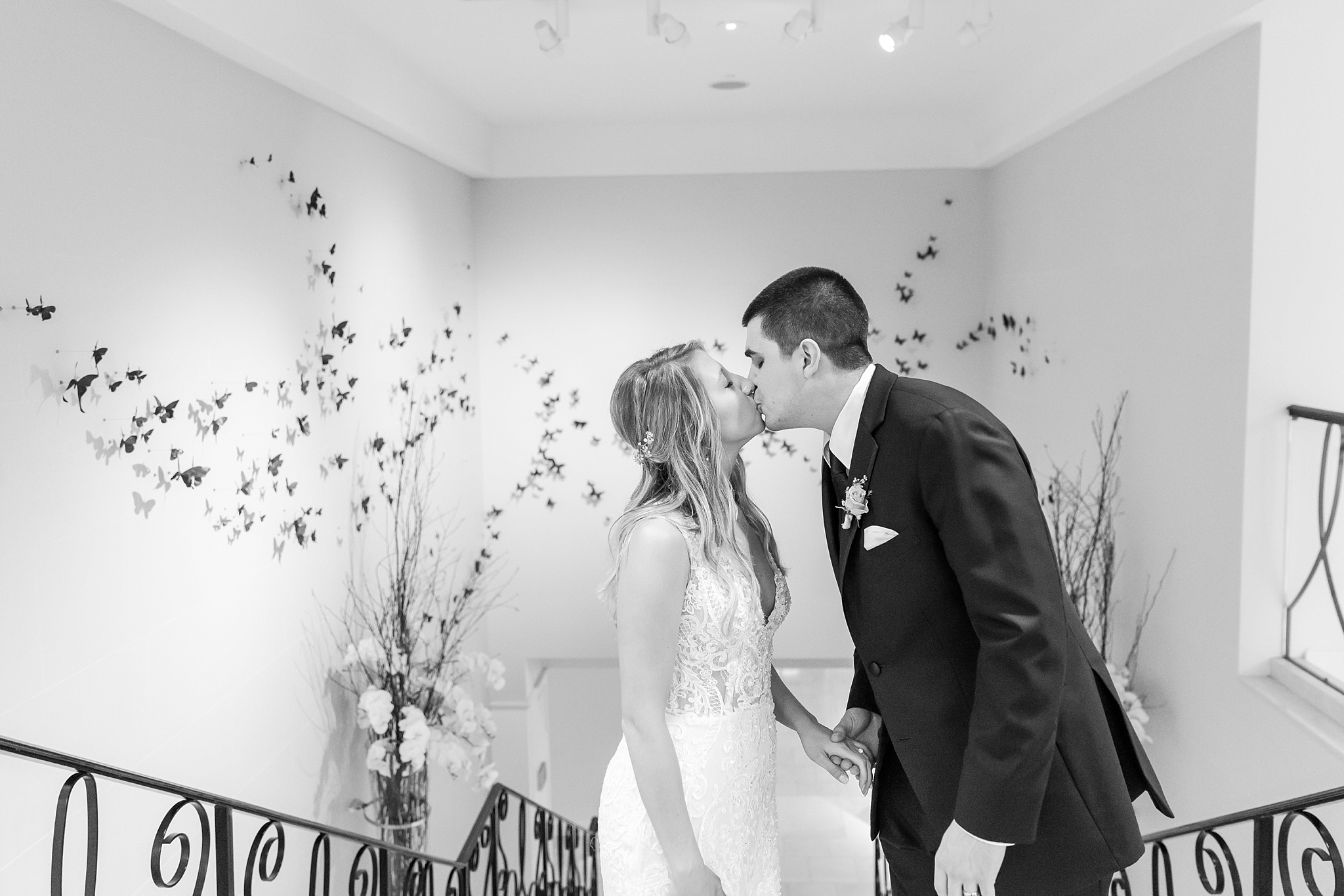 candid-romantic-wedding-photos-at-the-h-hotel-in-midland-michigan-by-courtney-carolyn-photography_0118.jpg