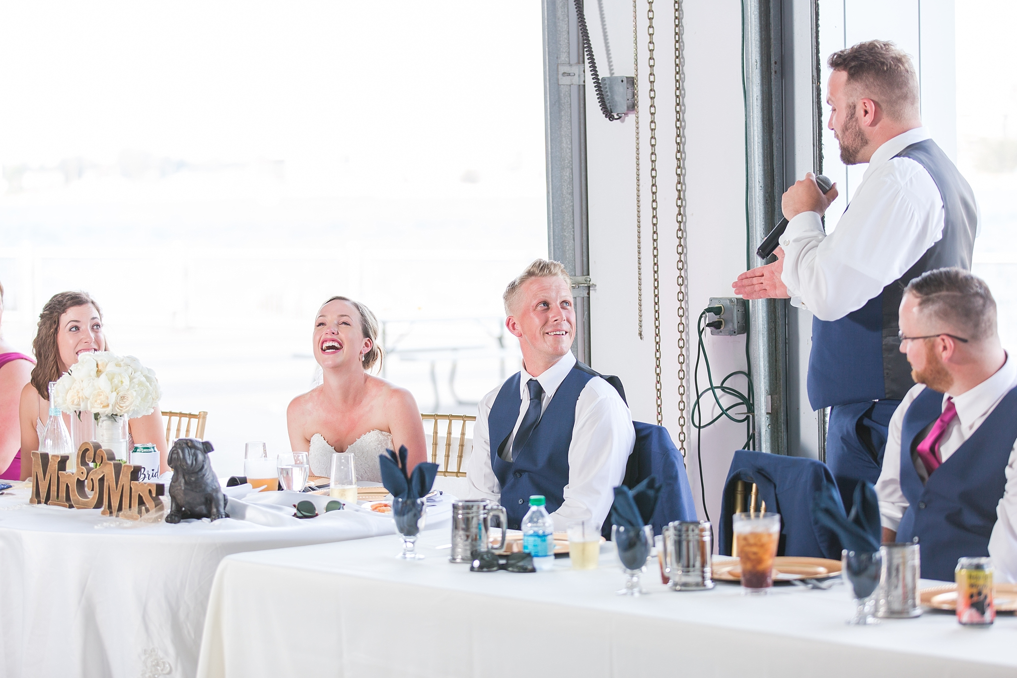 fun-nautical-wedding-photos-at-the-bean-dock-in-downtown-port-huron-michigan-by-courtney-carolyn-photography_0097.jpg