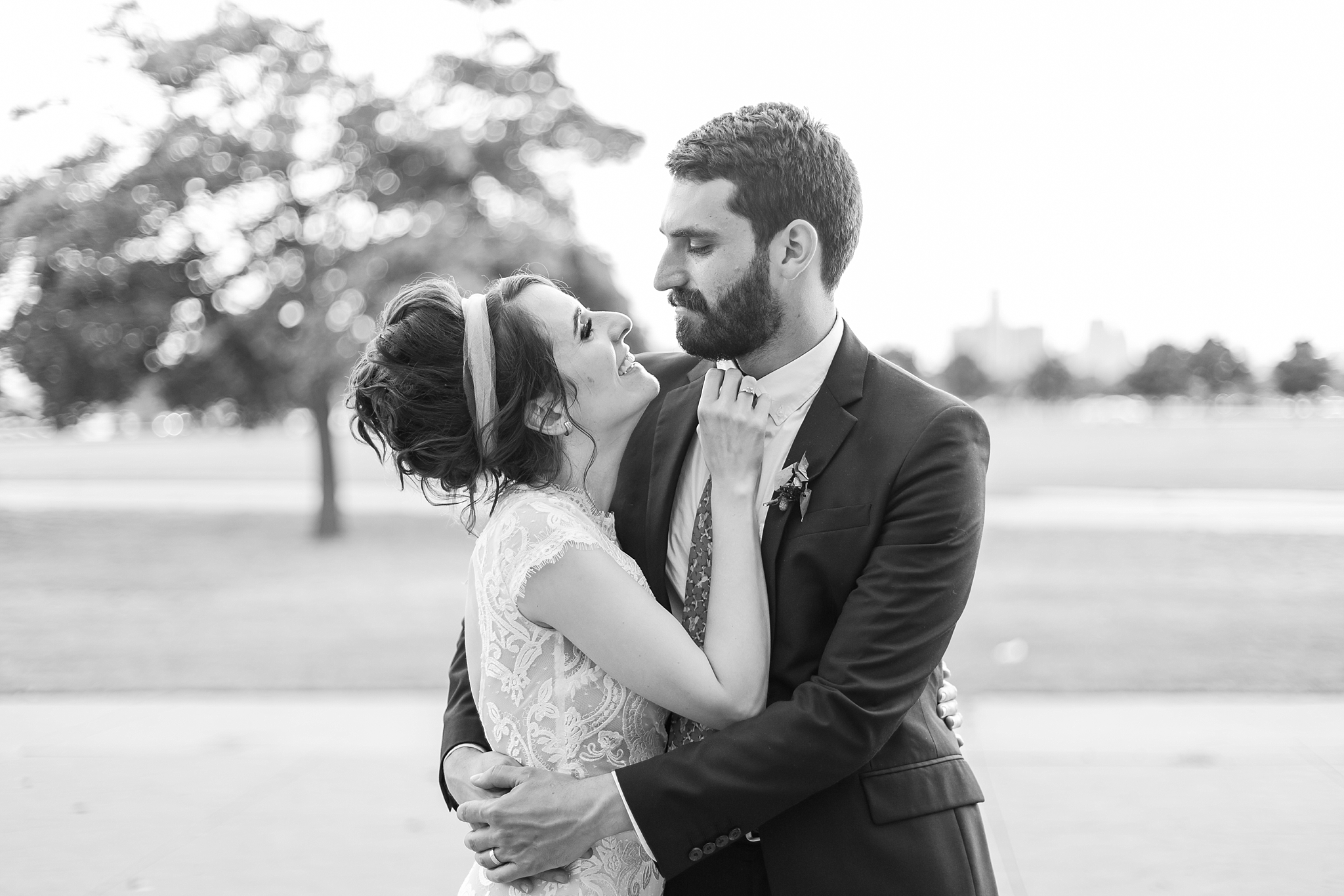 alternative-joyful-wedding-photos-at-the-belle-isle-casino-in-detroit-michigan-by-courtney-carolyn-photography_0059.jpg