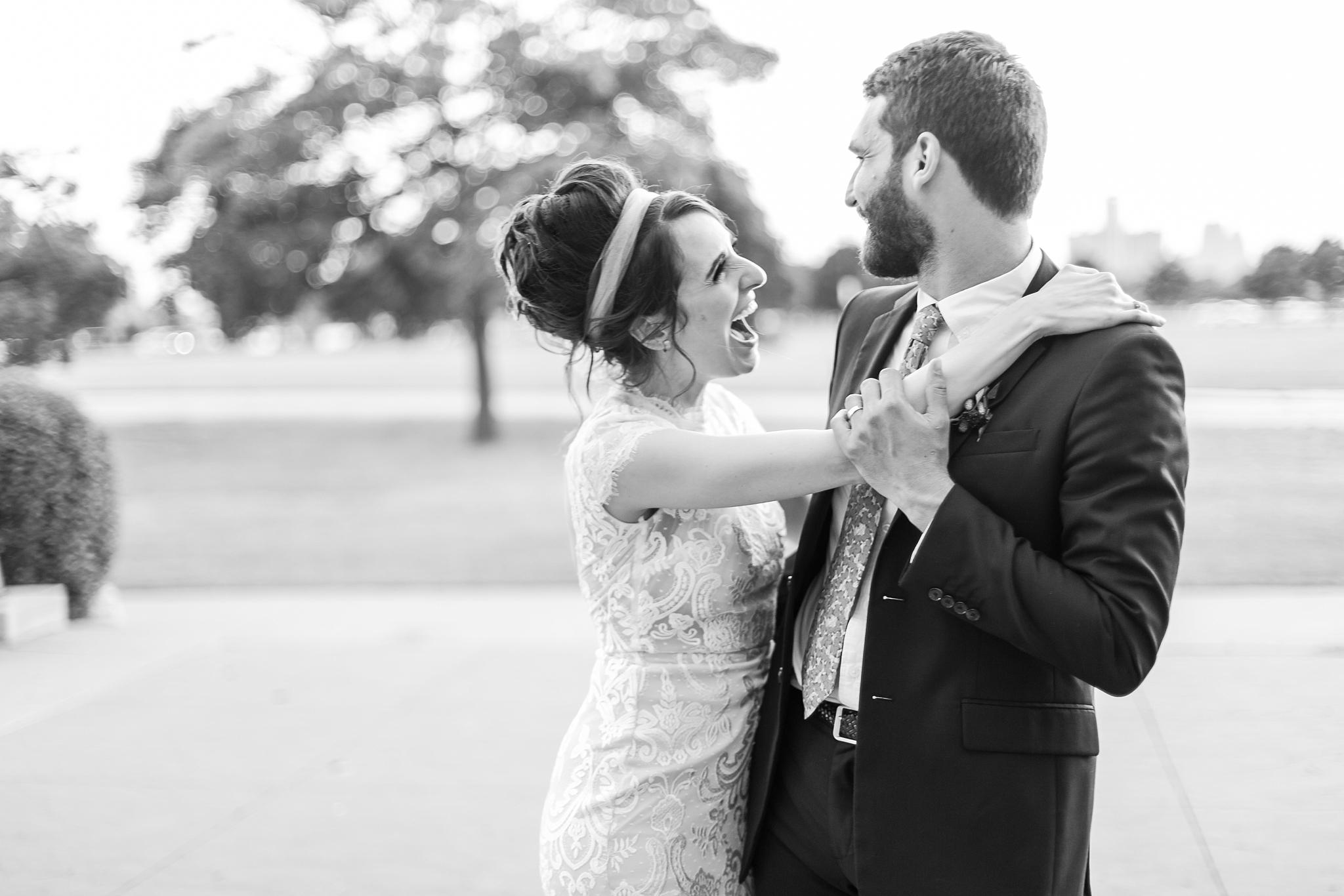 alternative-joyful-wedding-photos-at-the-belle-isle-casino-in-detroit-michigan-by-courtney-carolyn-photography_0065.jpg