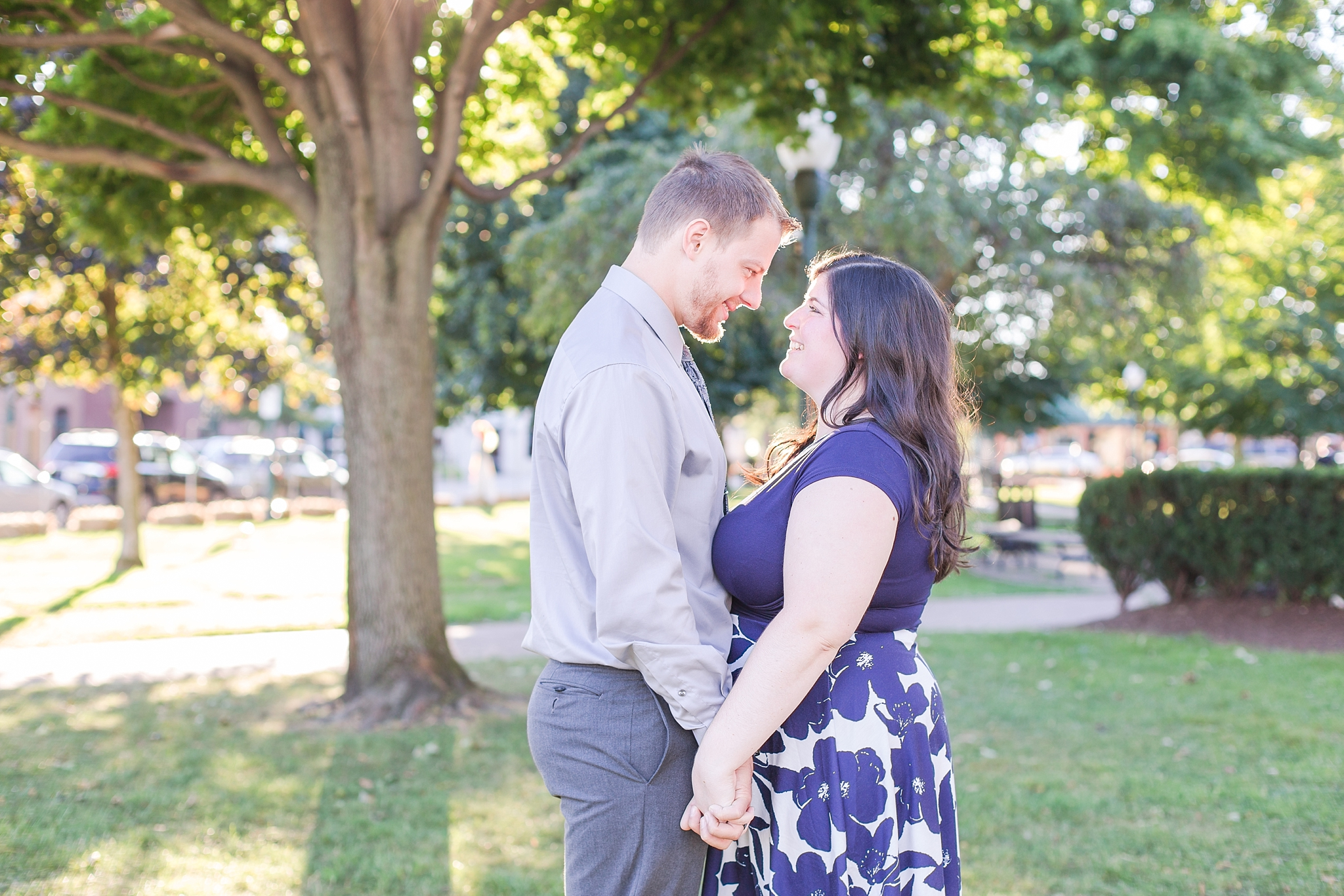 fun-fall-engagement-photos-in-downtown-plymouth-michigan-by-courtney-carolyn-photography_0012.jpg