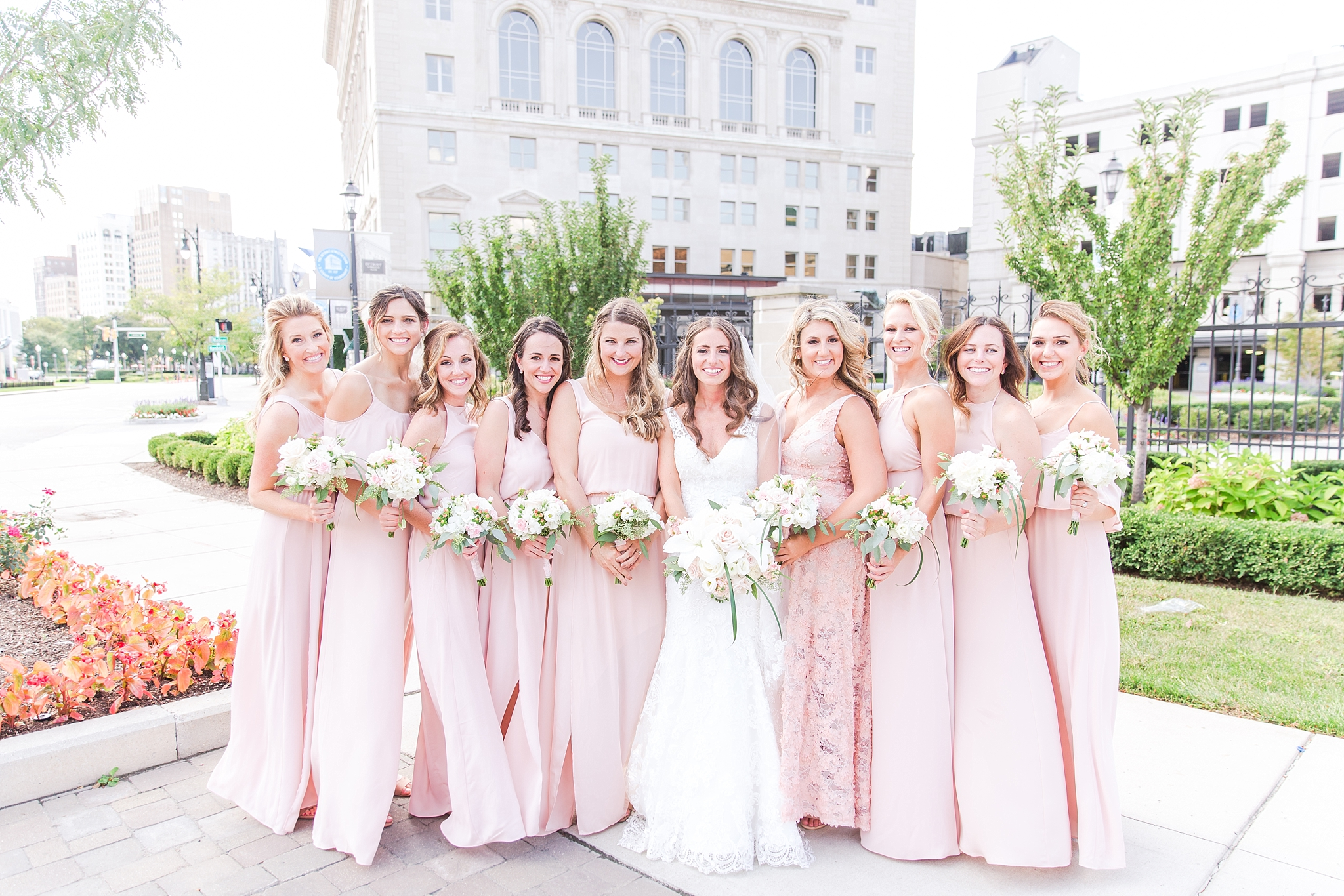 playful-blush-navy-wedding-photos-the-detroit-athletic-club-in-detroit-michigan-by-courtney-carolyn-photography_0047.jpg
