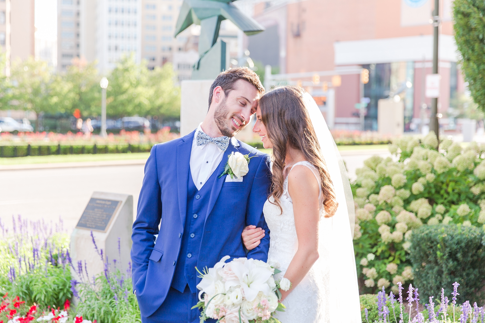 playful-blush-navy-wedding-photos-the-detroit-athletic-club-in-detroit-michigan-by-courtney-carolyn-photography_0055.jpg