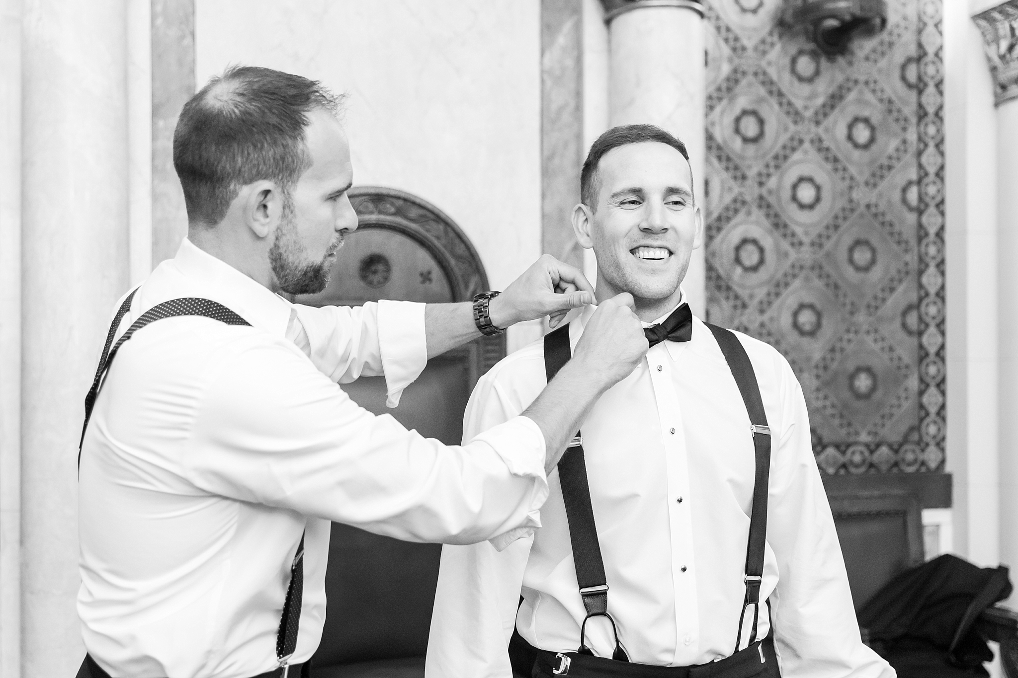 candid-romantic-wedding-photos-at-the-masonic-temple-belle-isle-detroit-institute-of-arts-in-detroit-michigan-by-courtney-carolyn-photography_0004.jpg