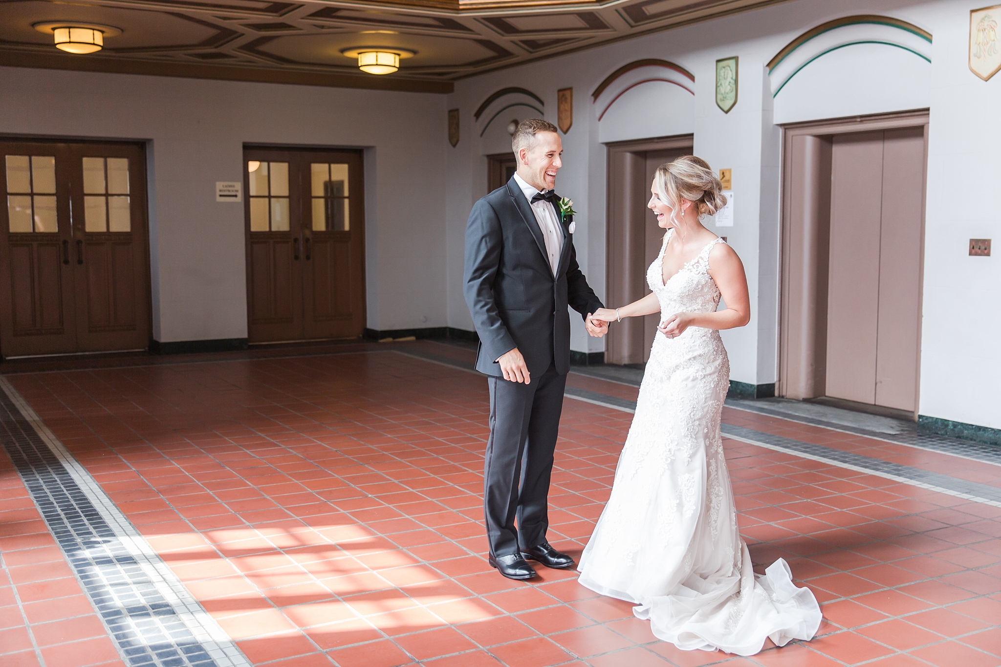 candid-romantic-wedding-photos-at-the-masonic-temple-belle-isle-detroit-institute-of-arts-in-detroit-michigan-by-courtney-carolyn-photography_0028.jpg