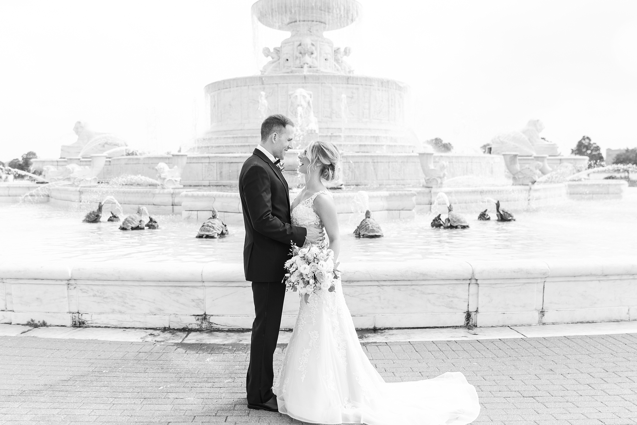 candid-romantic-wedding-photos-at-the-masonic-temple-belle-isle-detroit-institute-of-arts-in-detroit-michigan-by-courtney-carolyn-photography_0045.jpg