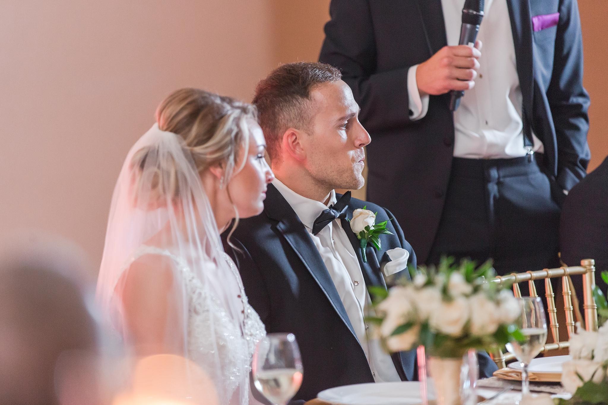 candid-romantic-wedding-photos-at-the-masonic-temple-belle-isle-detroit-institute-of-arts-in-detroit-michigan-by-courtney-carolyn-photography_0095.jpg