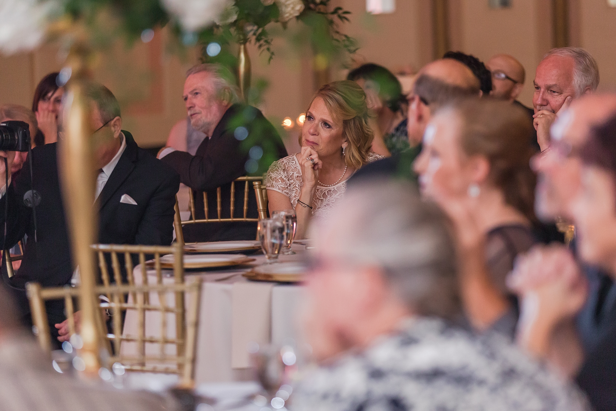 candid-romantic-wedding-photos-at-the-masonic-temple-belle-isle-detroit-institute-of-arts-in-detroit-michigan-by-courtney-carolyn-photography_0098.jpg