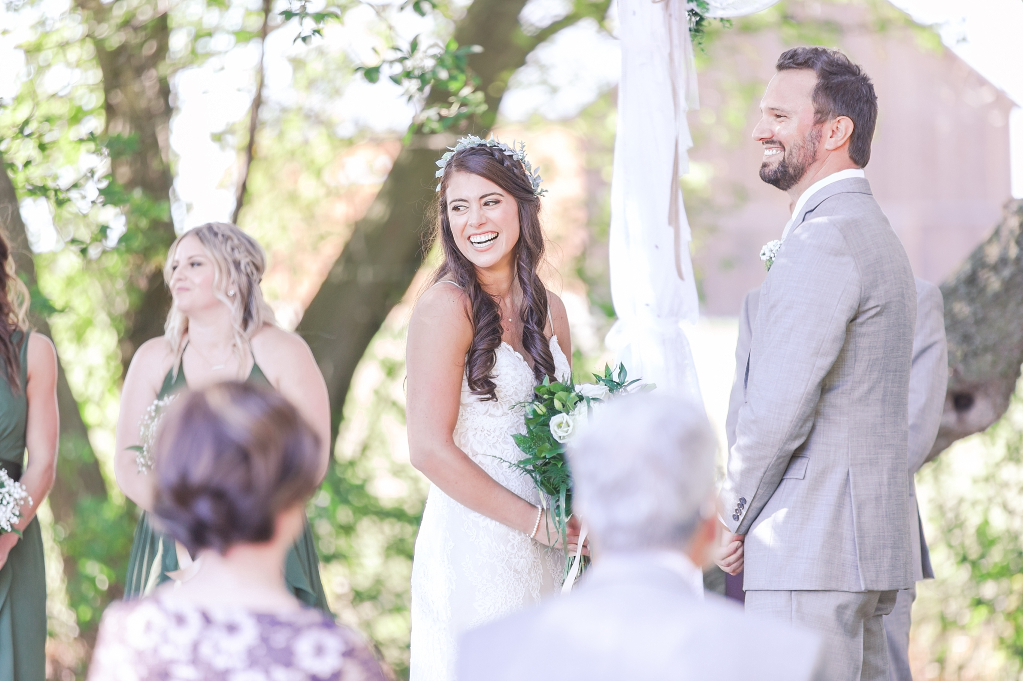 natural-rustic-wedding-photos-at-frutig-farms-the-valley-in-ann-arbor-michigan-by-courtney-carolyn-photography_0064.jpg