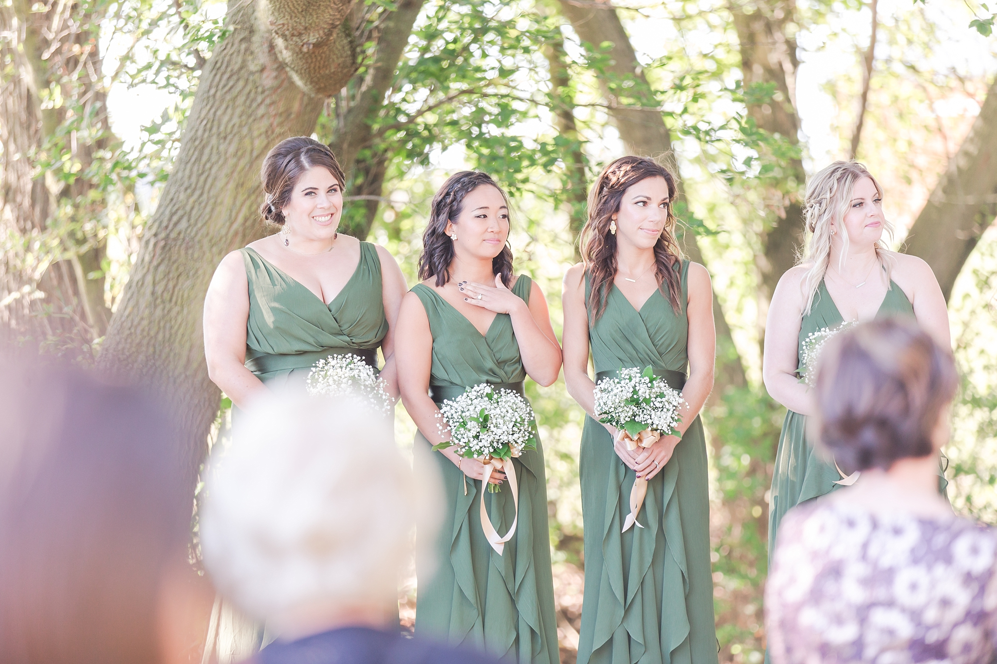 natural-rustic-wedding-photos-at-frutig-farms-the-valley-in-ann-arbor-michigan-by-courtney-carolyn-photography_0069.jpg