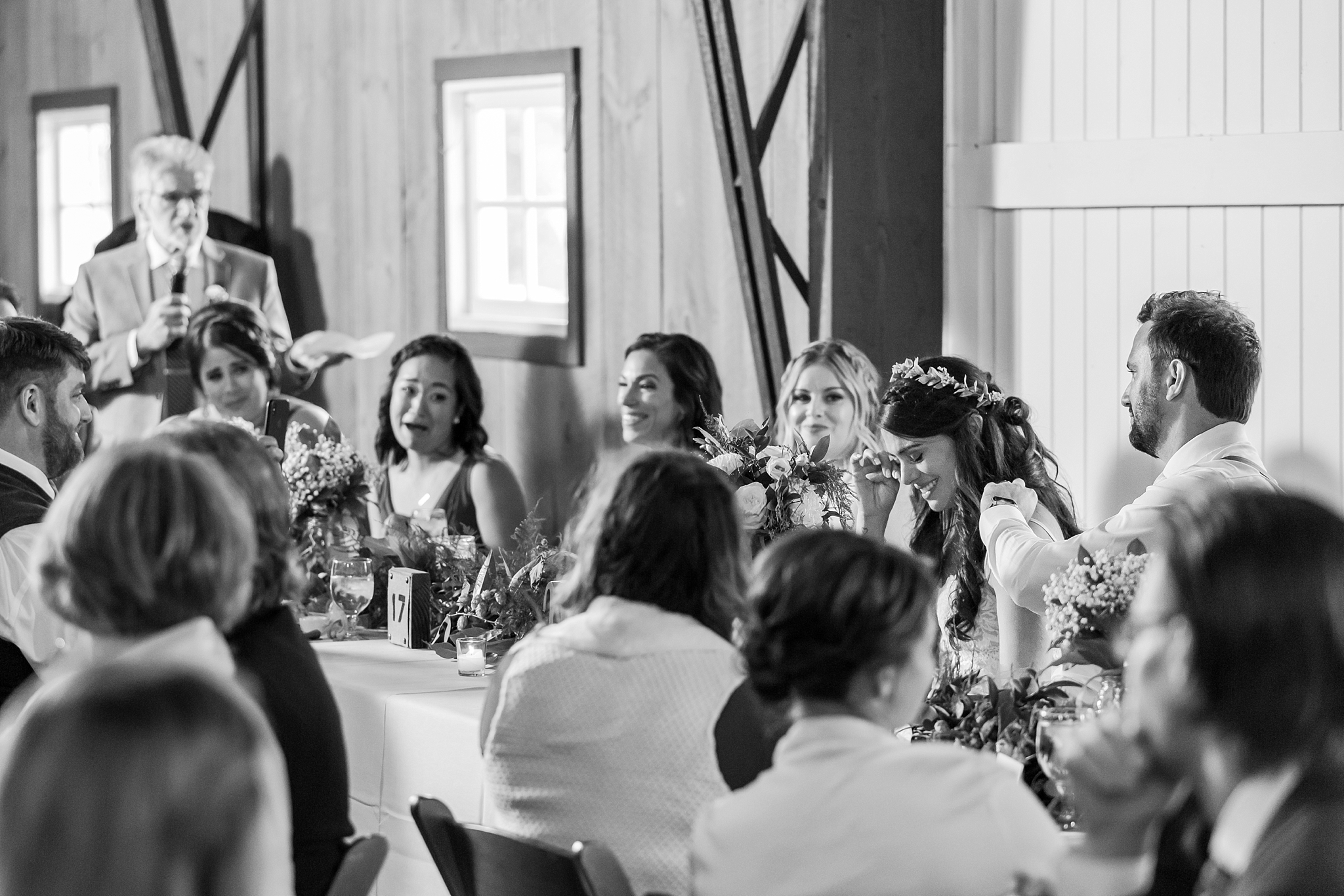 natural-rustic-wedding-photos-at-frutig-farms-the-valley-in-ann-arbor-michigan-by-courtney-carolyn-photography_0081.jpg