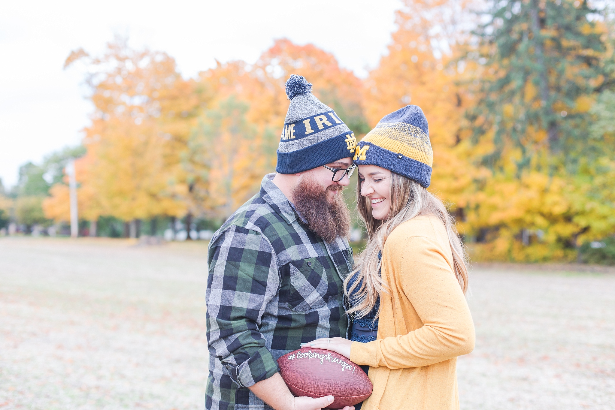 cozy-fall-engagement-photos-at-an-old-family-farm-in-monroe-michigan-by-courtney-carolyn-photography_0021.jpg