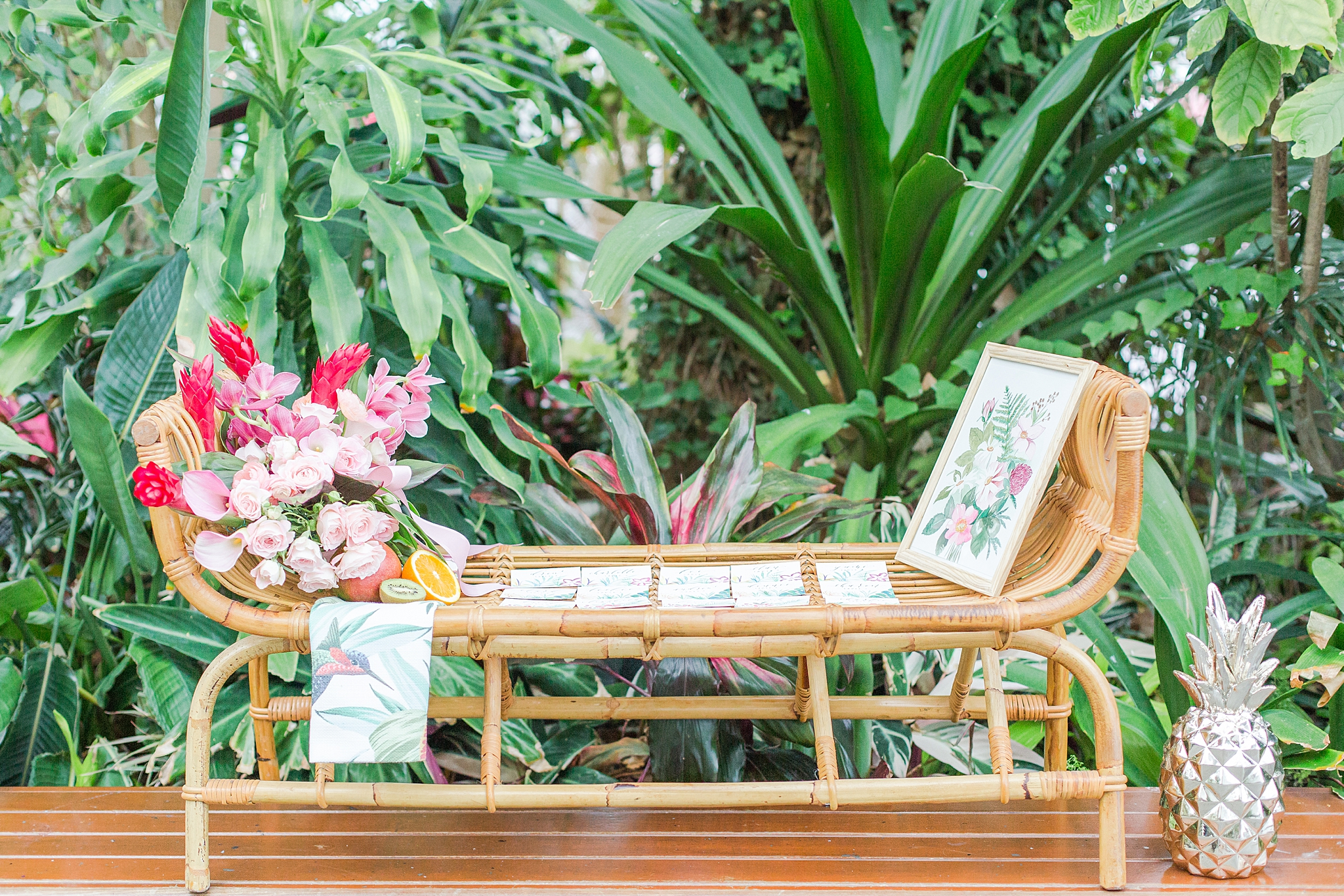 colorful-tropical-wedding-photos-at-the-crystal-gardens-in-chicago-illinois-by-courtney-carolyn-photography_0020.jpg