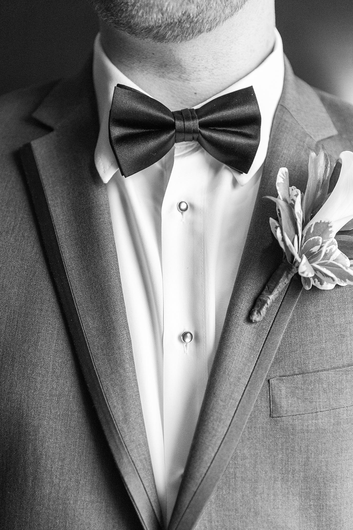 detroit-colony-club-wedding-regal-romantic-photography-in-detroit-mi-by-courtney-carolyn-photography_0006.jpg
