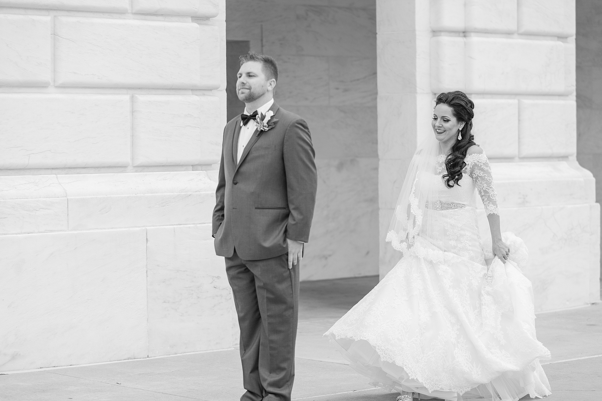 detroit-colony-club-wedding-regal-romantic-photography-in-detroit-mi-by-courtney-carolyn-photography_0010.jpg