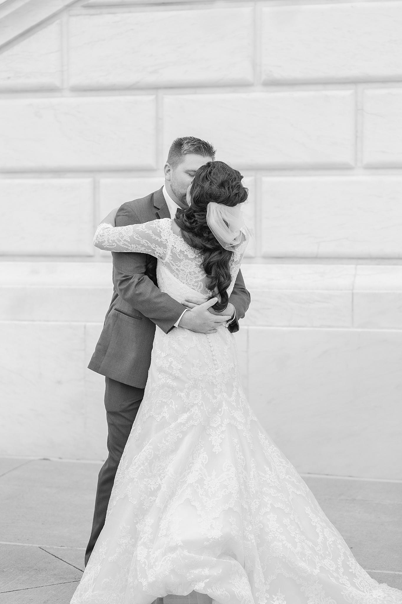 detroit-colony-club-wedding-regal-romantic-photography-in-detroit-mi-by-courtney-carolyn-photography_0011.jpg