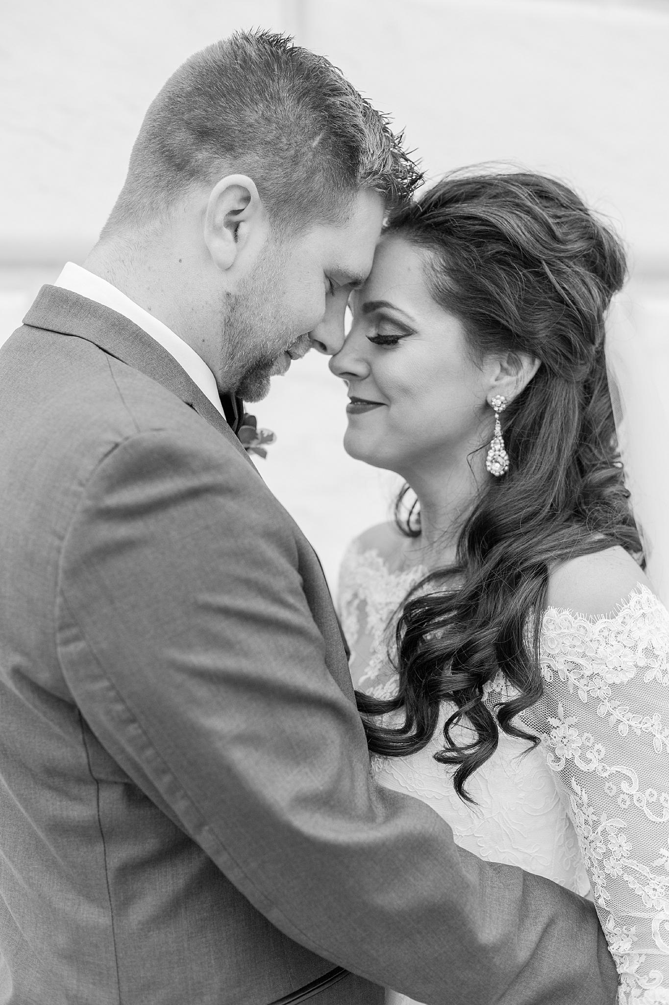 detroit-colony-club-wedding-regal-romantic-photography-in-detroit-mi-by-courtney-carolyn-photography_0012.jpg
