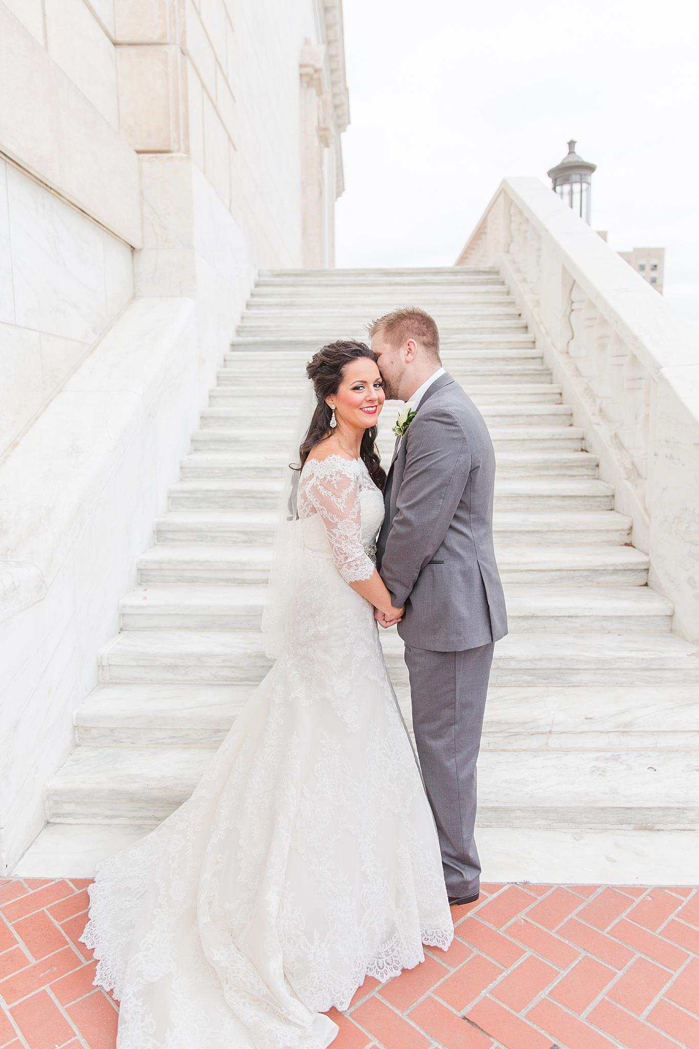 detroit-colony-club-wedding-regal-romantic-photography-in-detroit-mi-by-courtney-carolyn-photography_0017.jpg