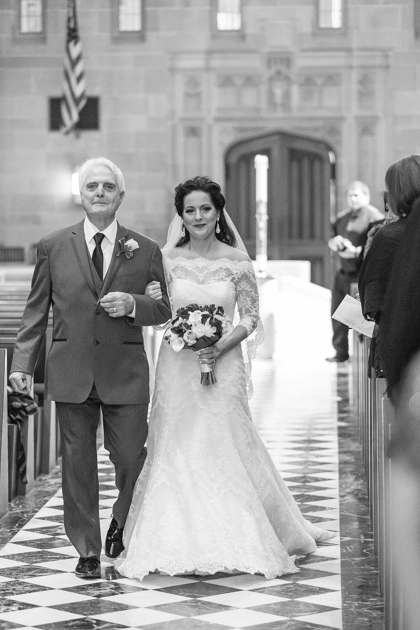 detroit-colony-club-wedding-regal-romantic-photography-in-detroit-mi-by-courtney-carolyn-photography_0023.jpg