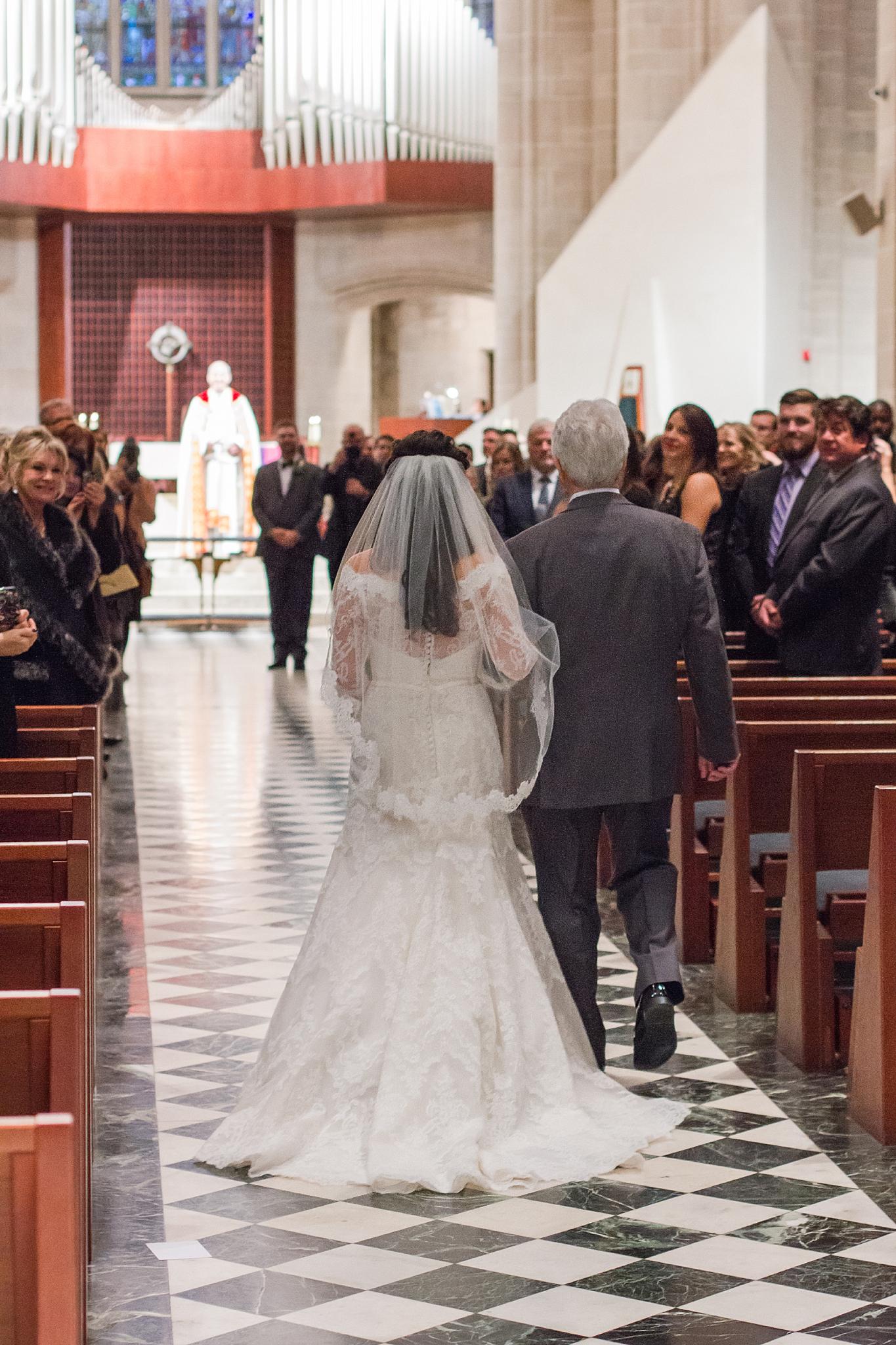 detroit-colony-club-wedding-regal-romantic-photography-in-detroit-mi-by-courtney-carolyn-photography_0024.jpg