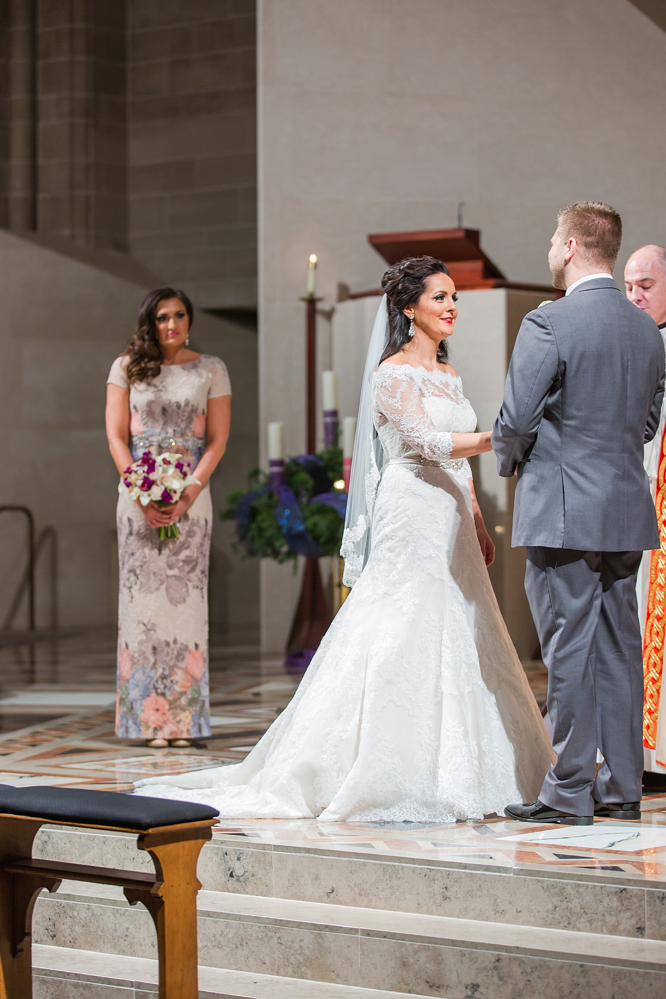 detroit-colony-club-wedding-regal-romantic-photography-in-detroit-mi-by-courtney-carolyn-photography_0028.jpg