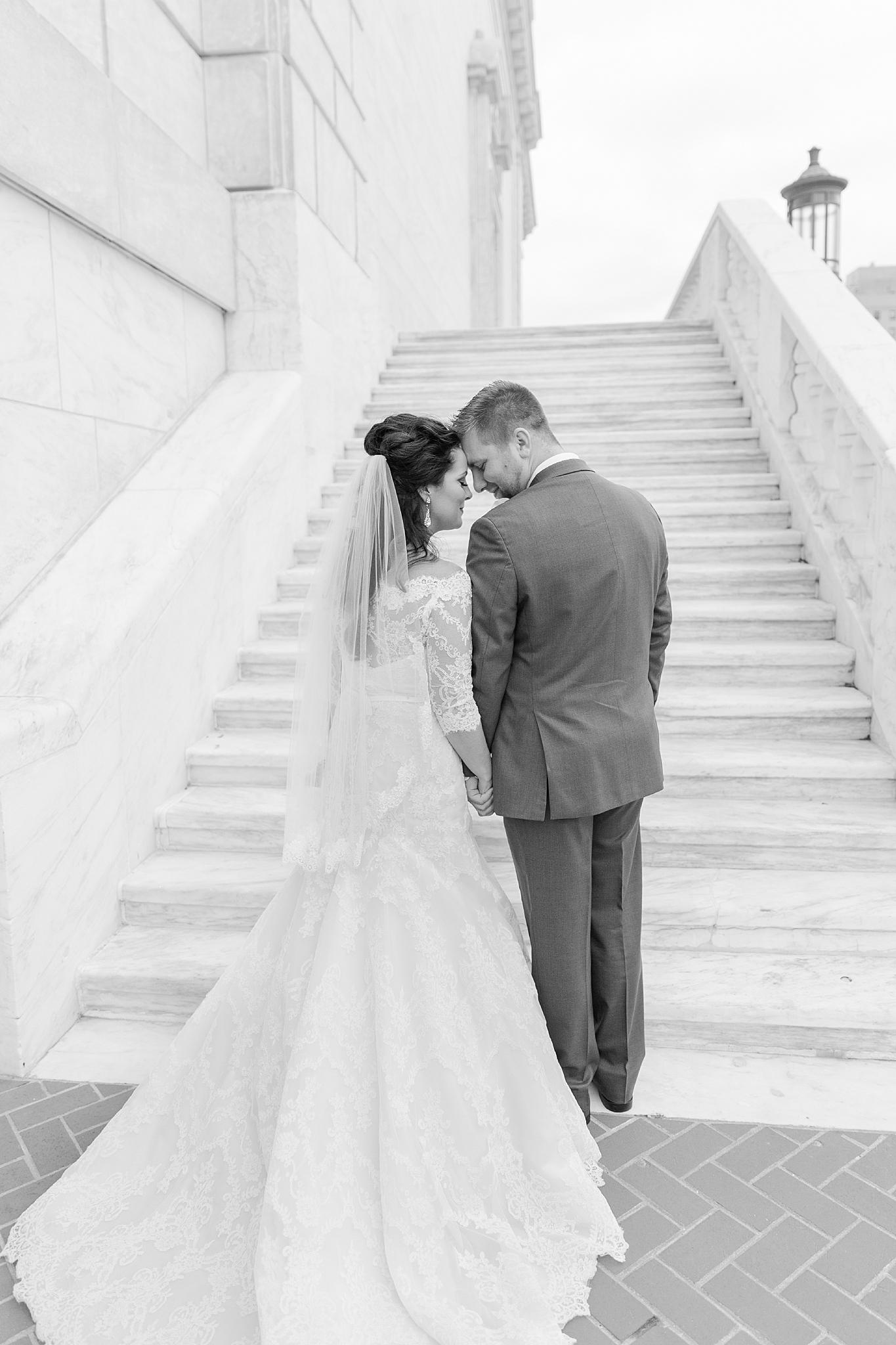 detroit-colony-club-wedding-regal-romantic-photography-in-detroit-mi-by-courtney-carolyn-photography_0035.jpg