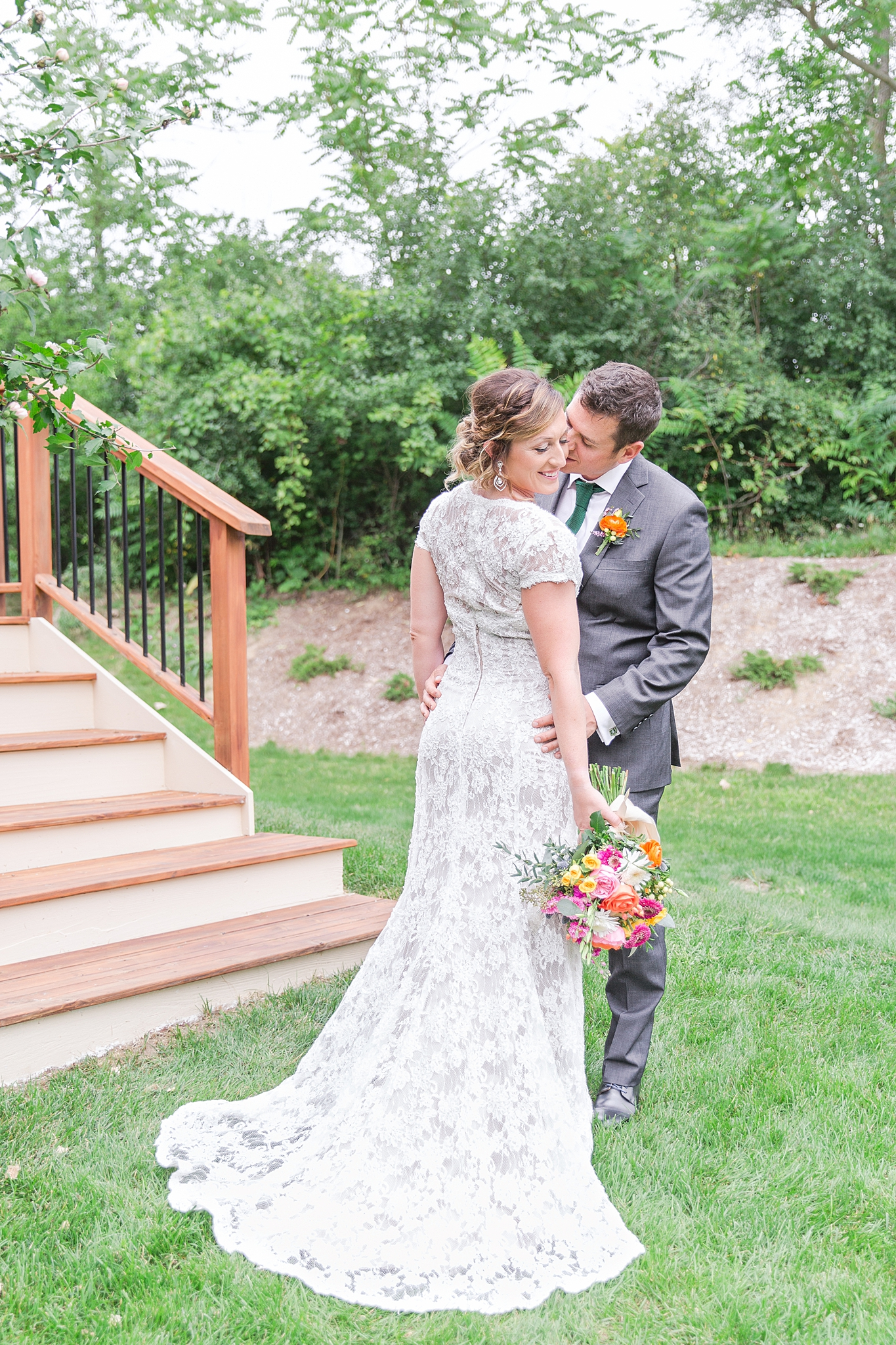 private-lakefront-estate-wedding-photography-in-ann-arbor-michigan-by-courtney-carolyn-photography_0012.jpg