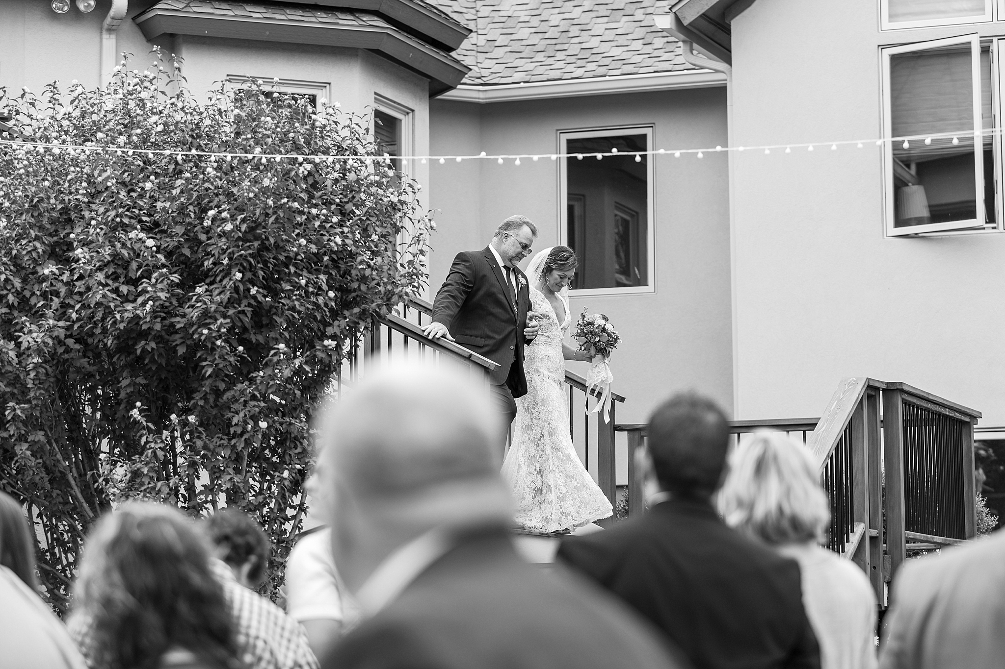 private-lakefront-estate-wedding-photography-in-ann-arbor-michigan-by-courtney-carolyn-photography_0023.jpg