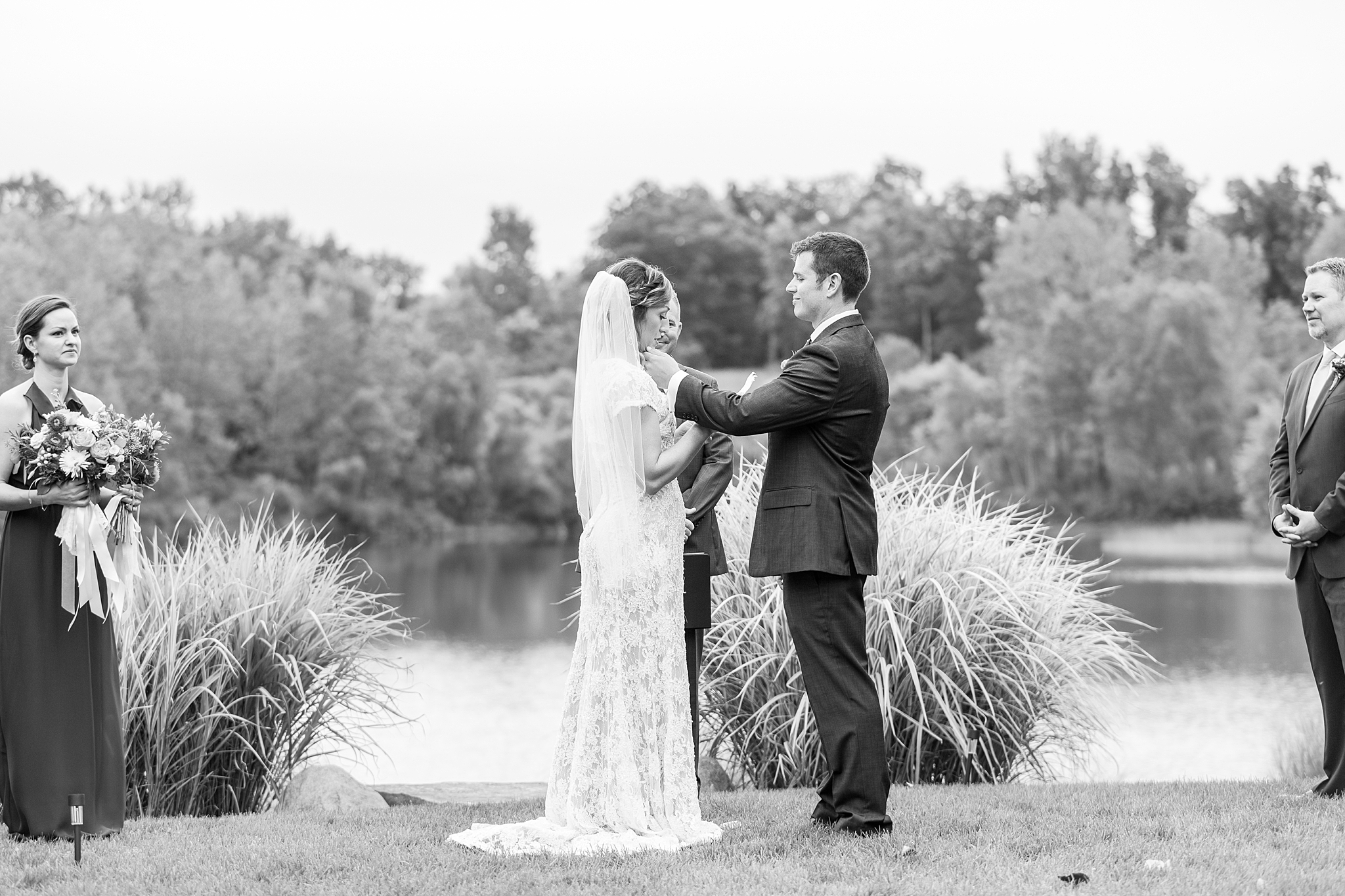 private-lakefront-estate-wedding-photography-in-ann-arbor-michigan-by-courtney-carolyn-photography_0024.jpg