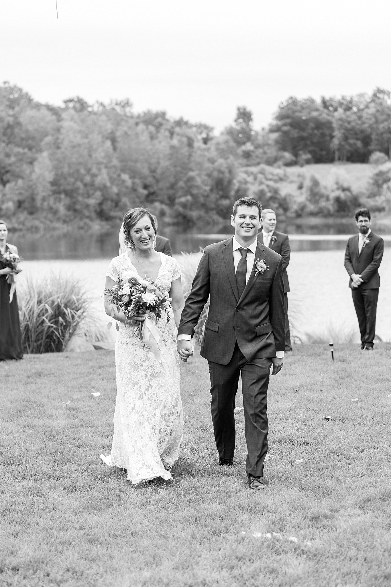 private-lakefront-estate-wedding-photography-in-ann-arbor-michigan-by-courtney-carolyn-photography_0026.jpg