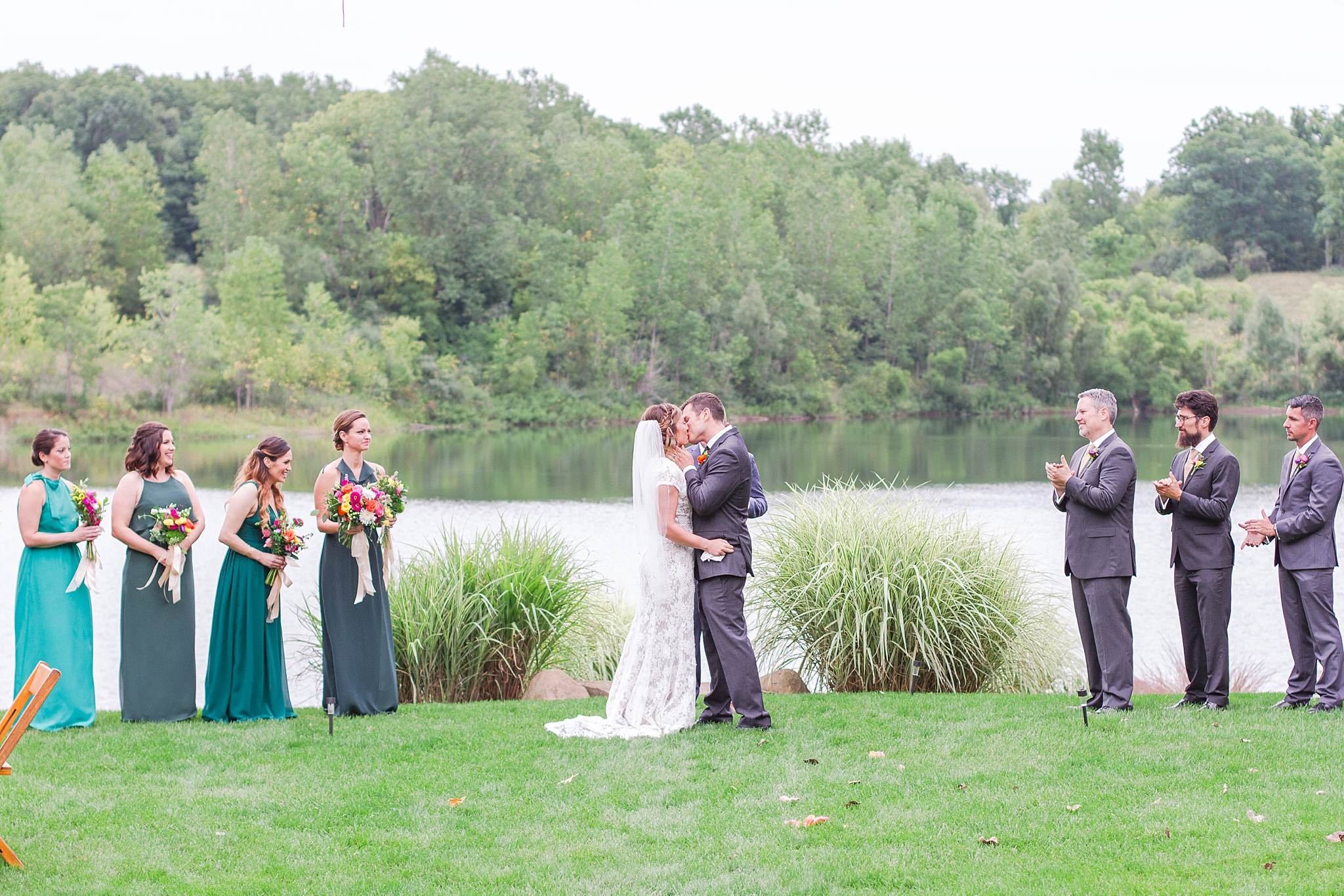 private-lakefront-estate-wedding-photography-in-ann-arbor-michigan-by-courtney-carolyn-photography_0025.jpg