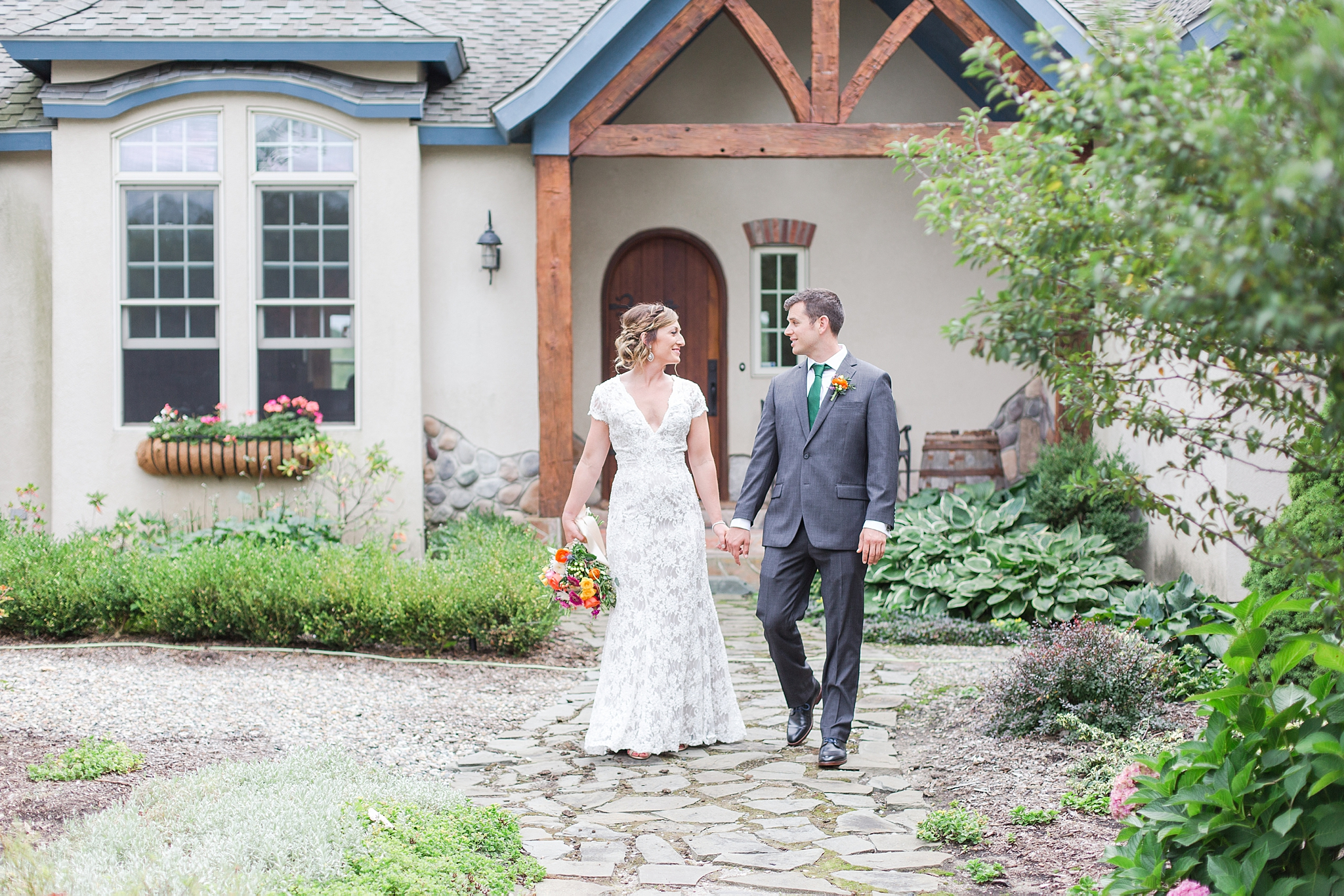 private-lakefront-estate-wedding-photography-in-ann-arbor-michigan-by-courtney-carolyn-photography_0032.jpg