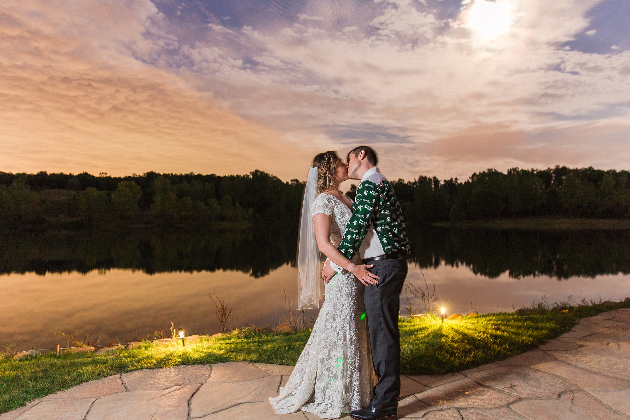 private-lakefront-estate-wedding-photography-in-ann-arbor-michigan-by-courtney-carolyn-photography_0043.jpg