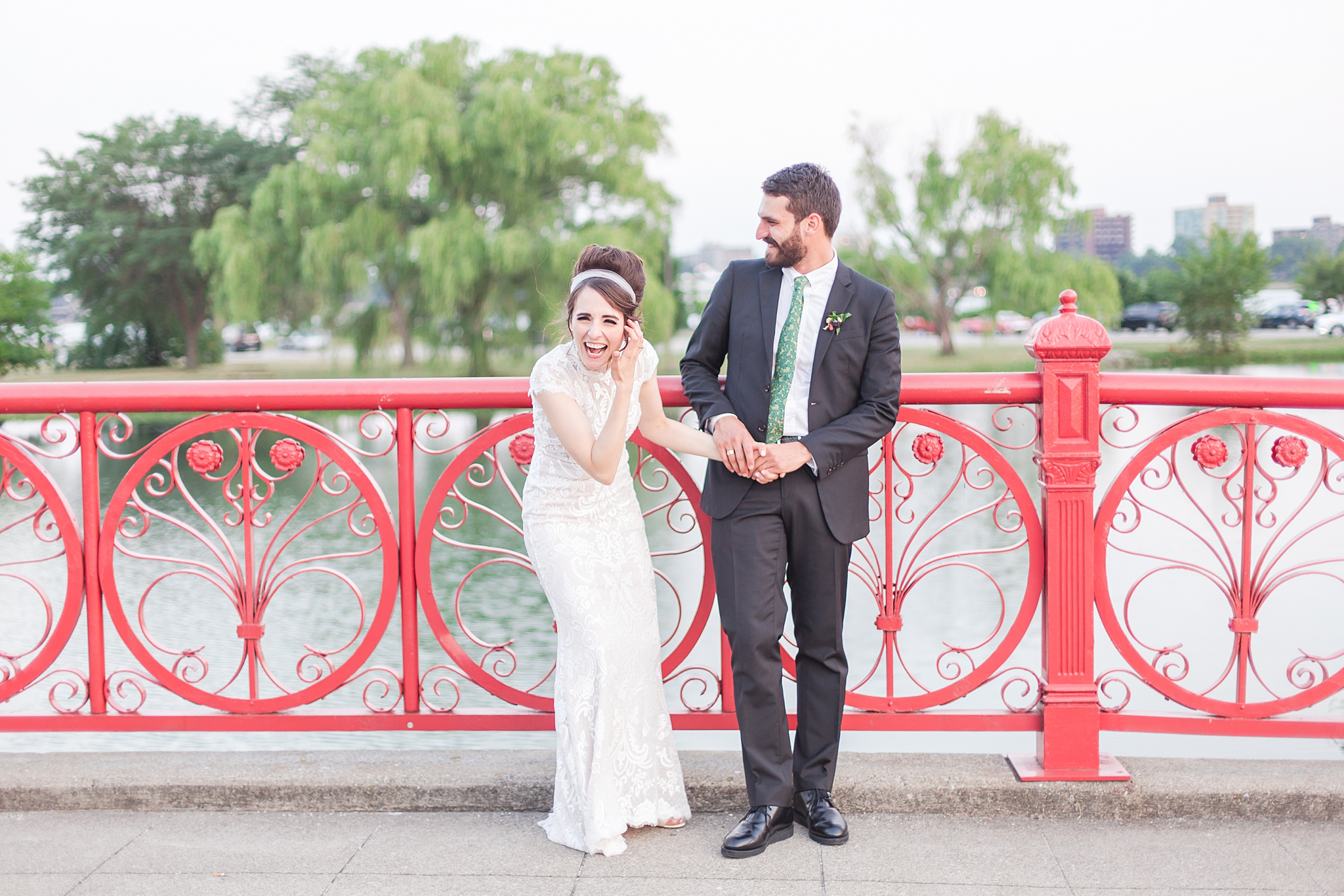 belle-isle-casino-modern-artictic-wedding-photography-in-detroit-michigan-by-courtney-carolyn-photography_0001.jpg