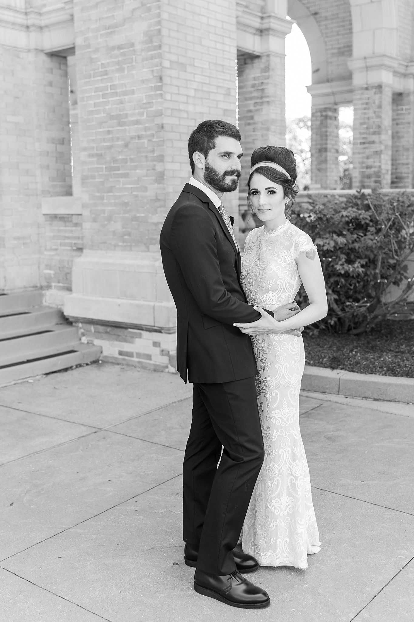 belle-isle-casino-modern-artictic-wedding-photography-in-detroit-michigan-by-courtney-carolyn-photography_0036.jpg