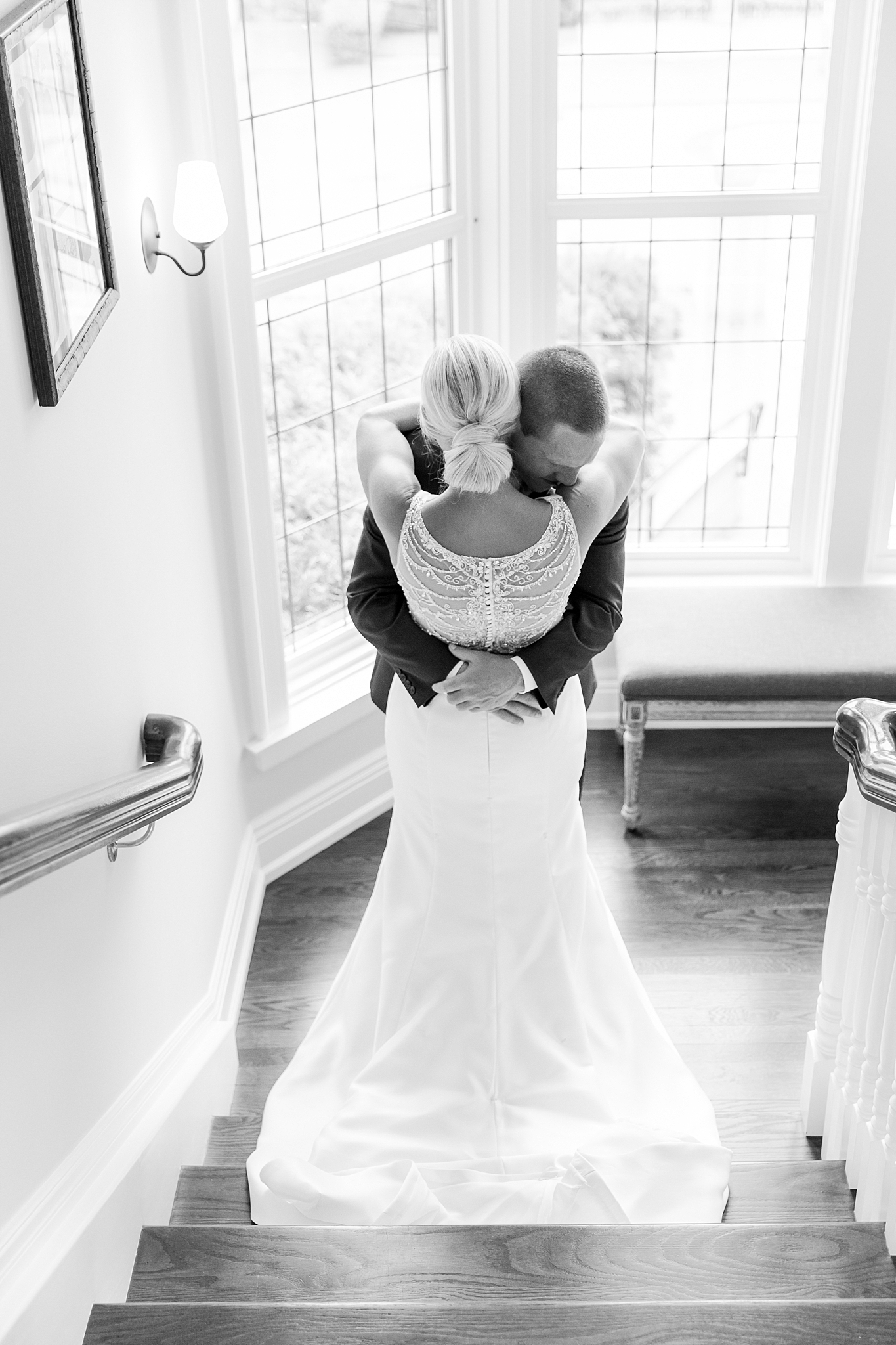 chapman-house-casually-chic-wedding-photography-in-rochester-michigan-by-courtney-carolyn-photography_0009.jpg
