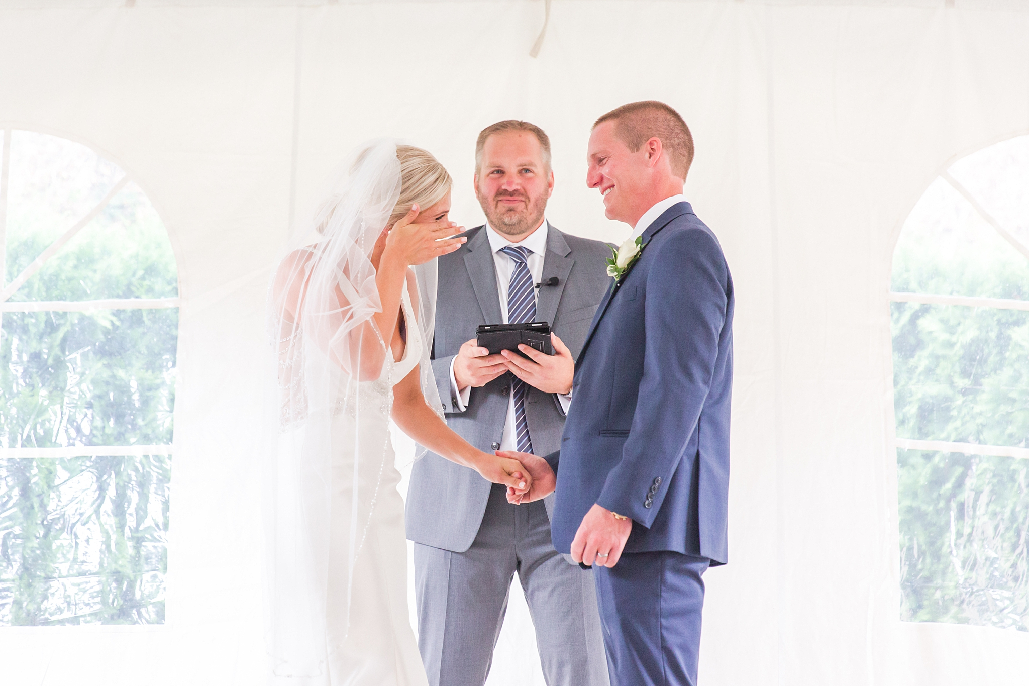 chapman-house-casually-chic-wedding-photography-in-rochester-michigan-by-courtney-carolyn-photography_0041.jpg