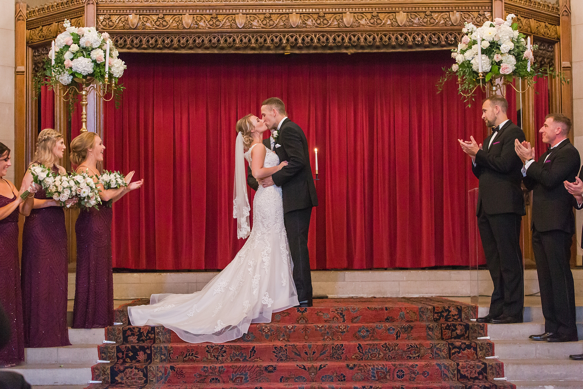 masonic-temple-iconic-wedding-photography-in-detroit-michigan-by-courtney-carolyn-photography_0048.jpg
