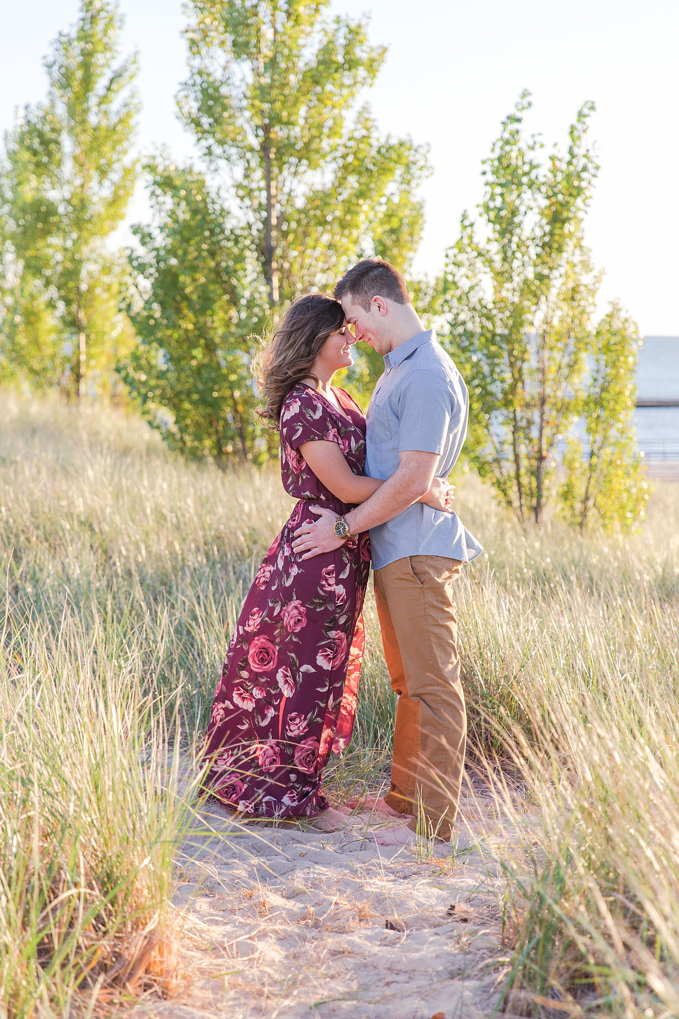 romantic--summer-beach-engagement-photography-in-st-joseph-mi-by-courtney-carolyn-photography_0003.jpg