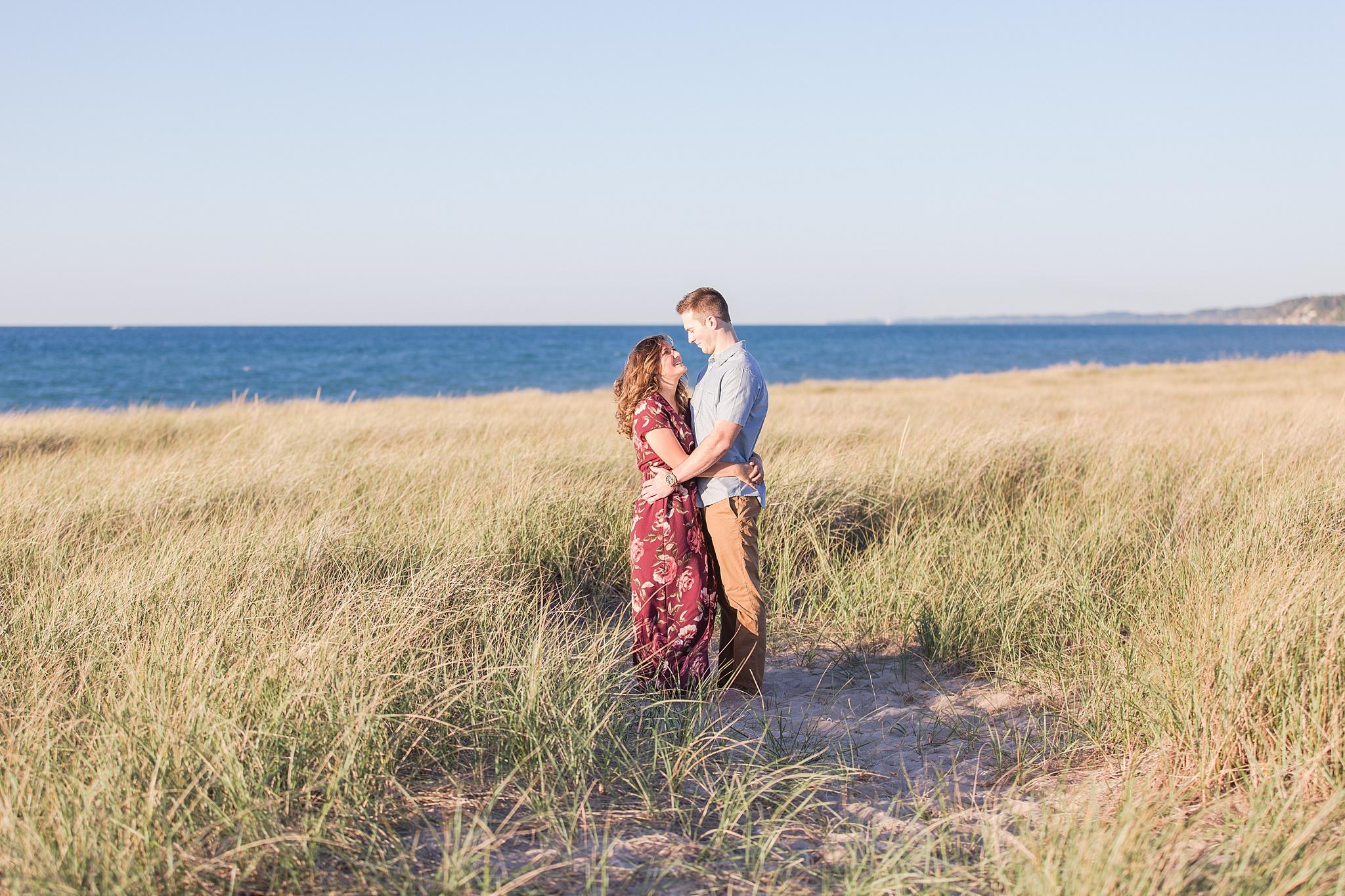 romantic--summer-beach-engagement-photography-in-st-joseph-mi-by-courtney-carolyn-photography_0010.jpg