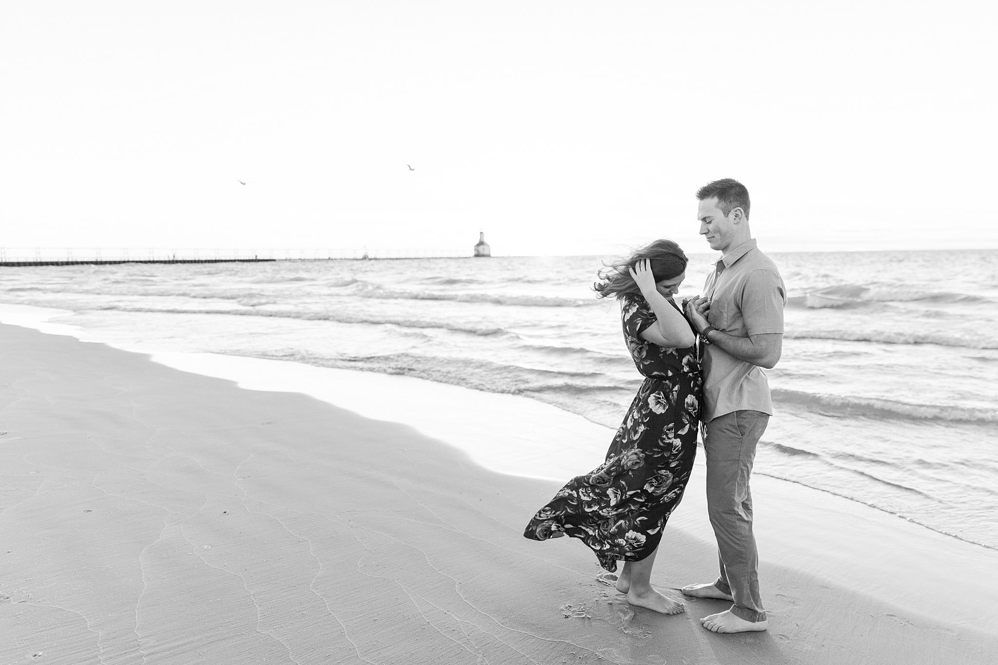 romantic--summer-beach-engagement-photography-in-st-joseph-mi-by-courtney-carolyn-photography_0012.jpg