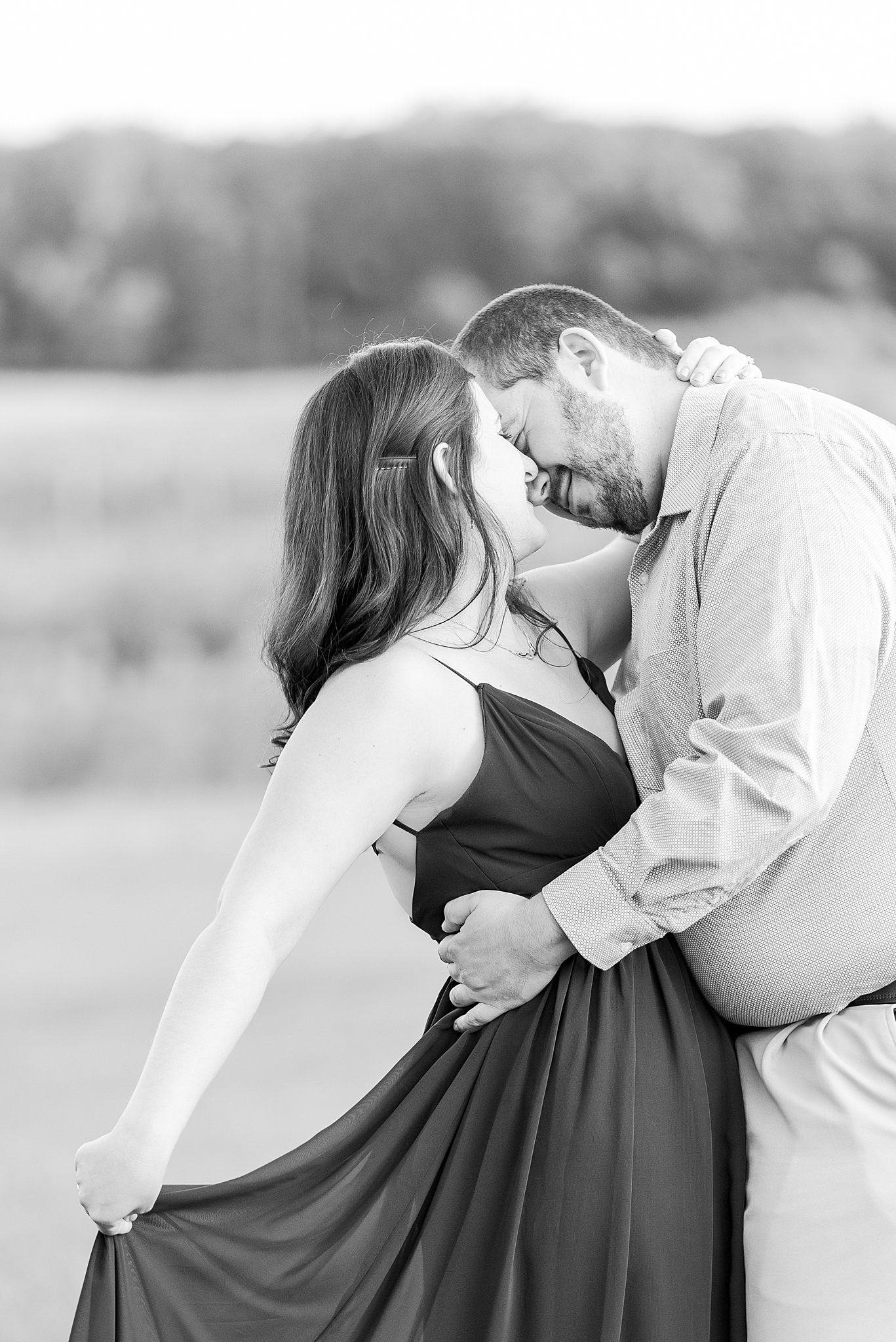 classic-vineyard-engagement-photography-in-lansing-mi-by-courtney-carolyn-photography_0009.jpg
